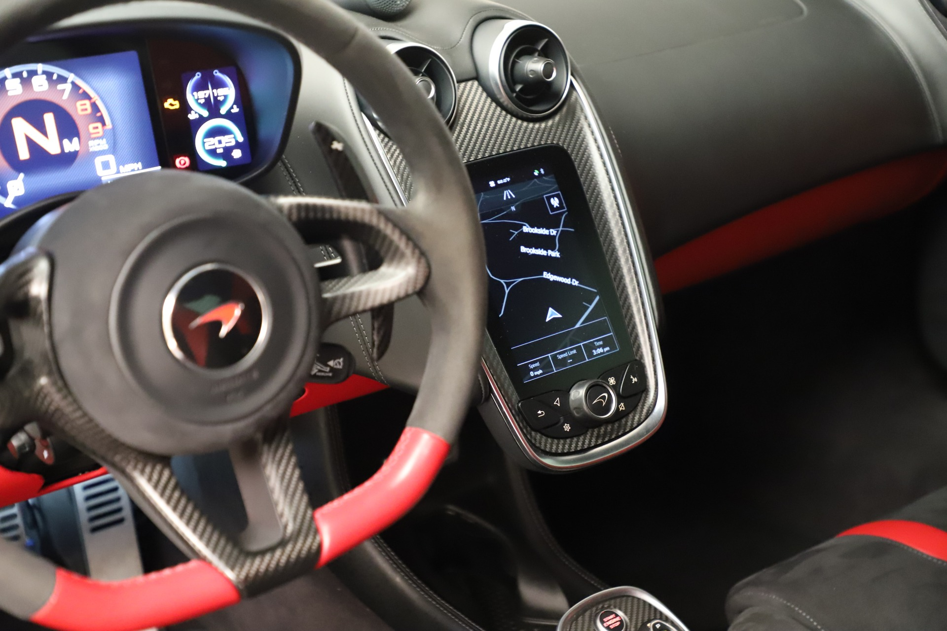 Used 2016 McLaren 570S Coupe For Sale In Greenwich, CT. Alfa Romeo of Greenwich, MC381A 3235_p28