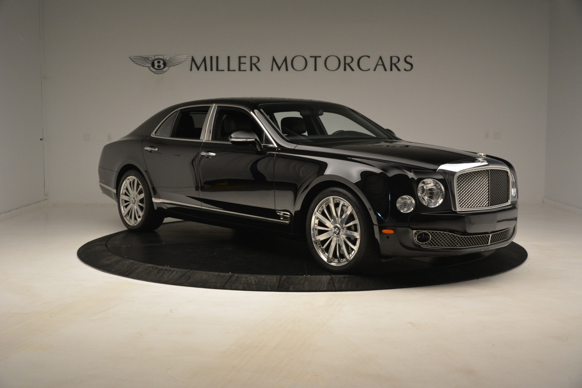 Used 2016 Bentley Mulsanne  For Sale In Greenwich, CT. Alfa Romeo of Greenwich, 7589 3240_p11