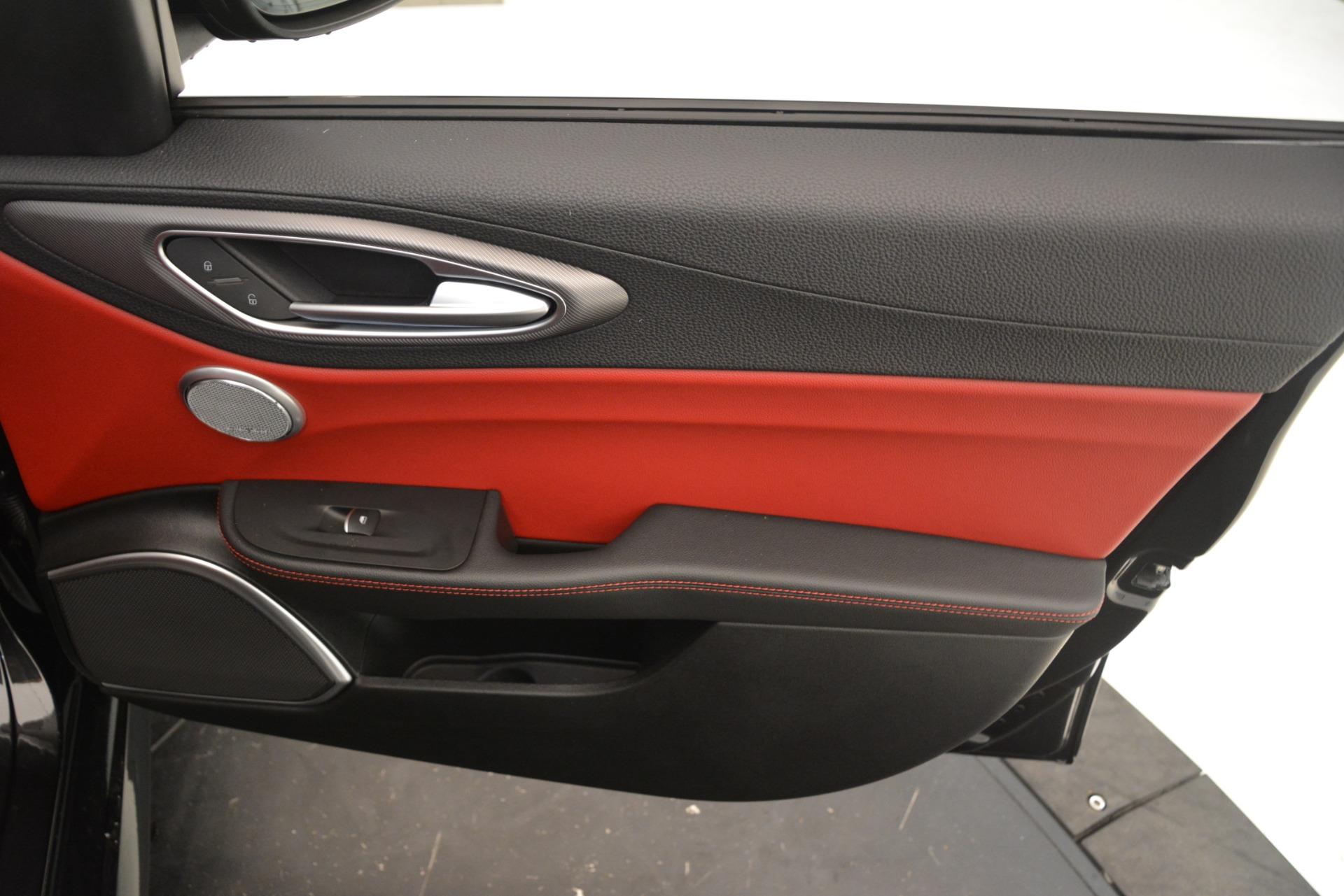 New 2019 Alfa Romeo Giulia Ti Sport Q4 For Sale In Greenwich, CT. Alfa Romeo of Greenwich, L635 3243_p25