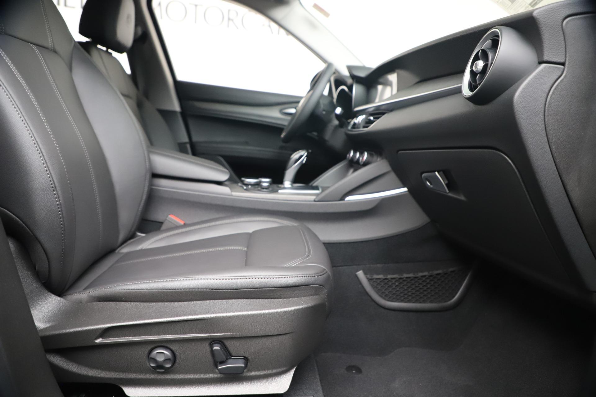 New 2019 Alfa Romeo Stelvio Ti Q4 For Sale In Greenwich, CT. Alfa Romeo of Greenwich, LW340 3252_p23