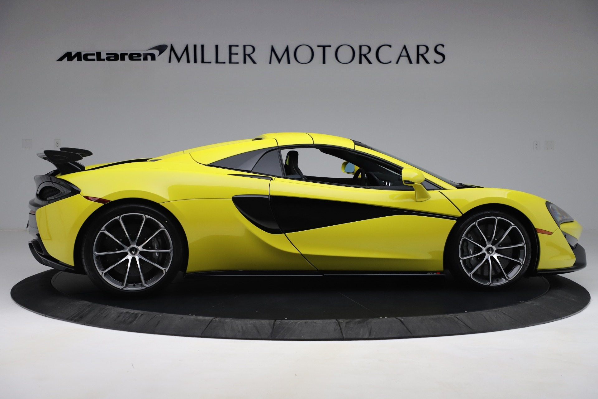 New 2019 McLaren 570S Convertible For Sale In Greenwich, CT. Alfa Romeo of Greenwich, MC436 3253_p14