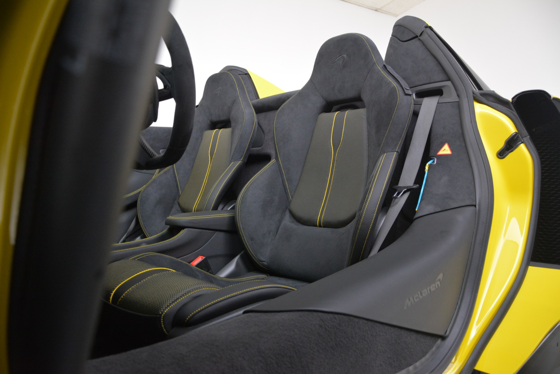 New 2019 McLaren 570S Convertible For Sale In Greenwich, CT. Alfa Romeo of Greenwich, MC436 3253_p33