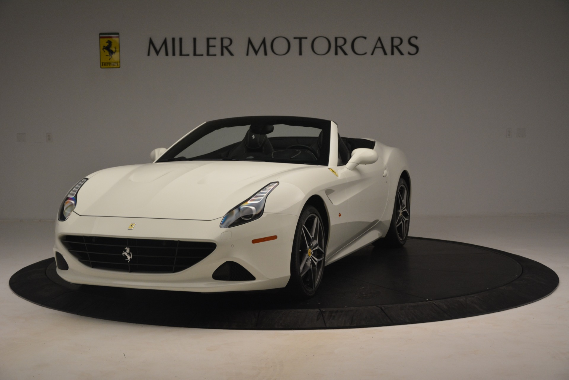 Used 2016 Ferrari California T  For Sale In Greenwich, CT. Alfa Romeo of Greenwich, 4581C 3256_main