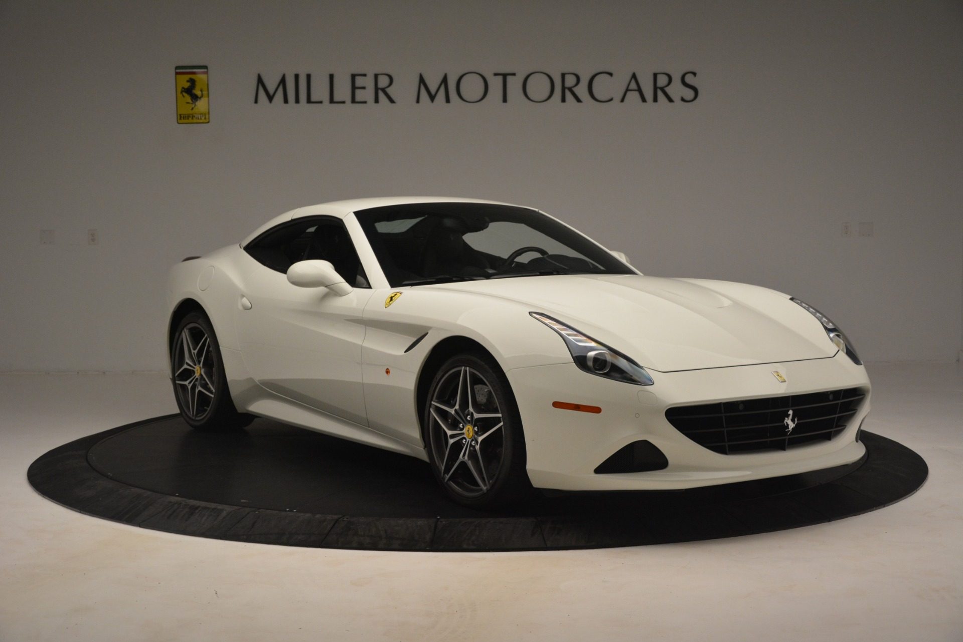 Used 2016 Ferrari California T  For Sale In Greenwich, CT. Alfa Romeo of Greenwich, 4581C 3256_p13