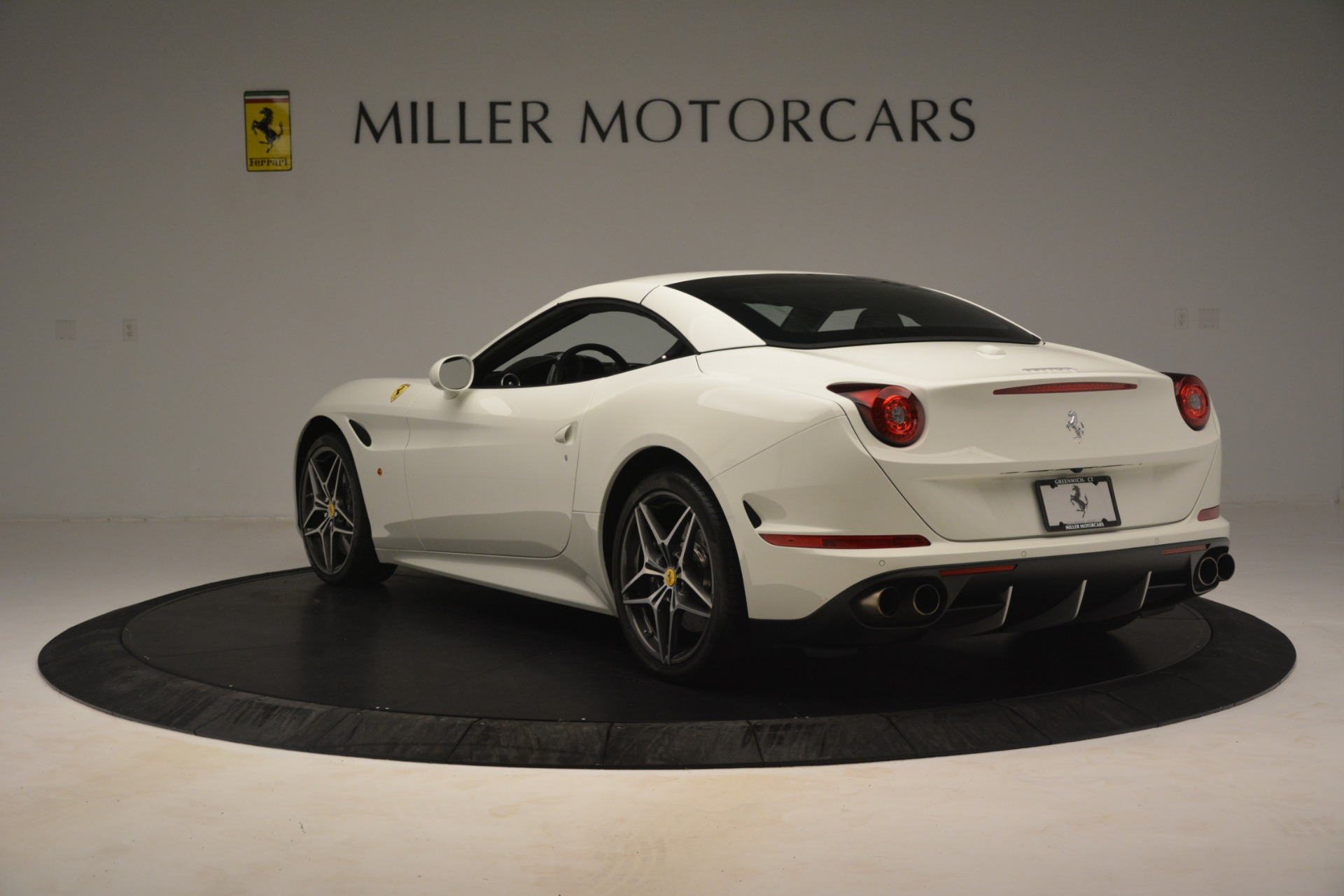 Used 2016 Ferrari California T  For Sale In Greenwich, CT. Alfa Romeo of Greenwich, 4581C 3256_p16