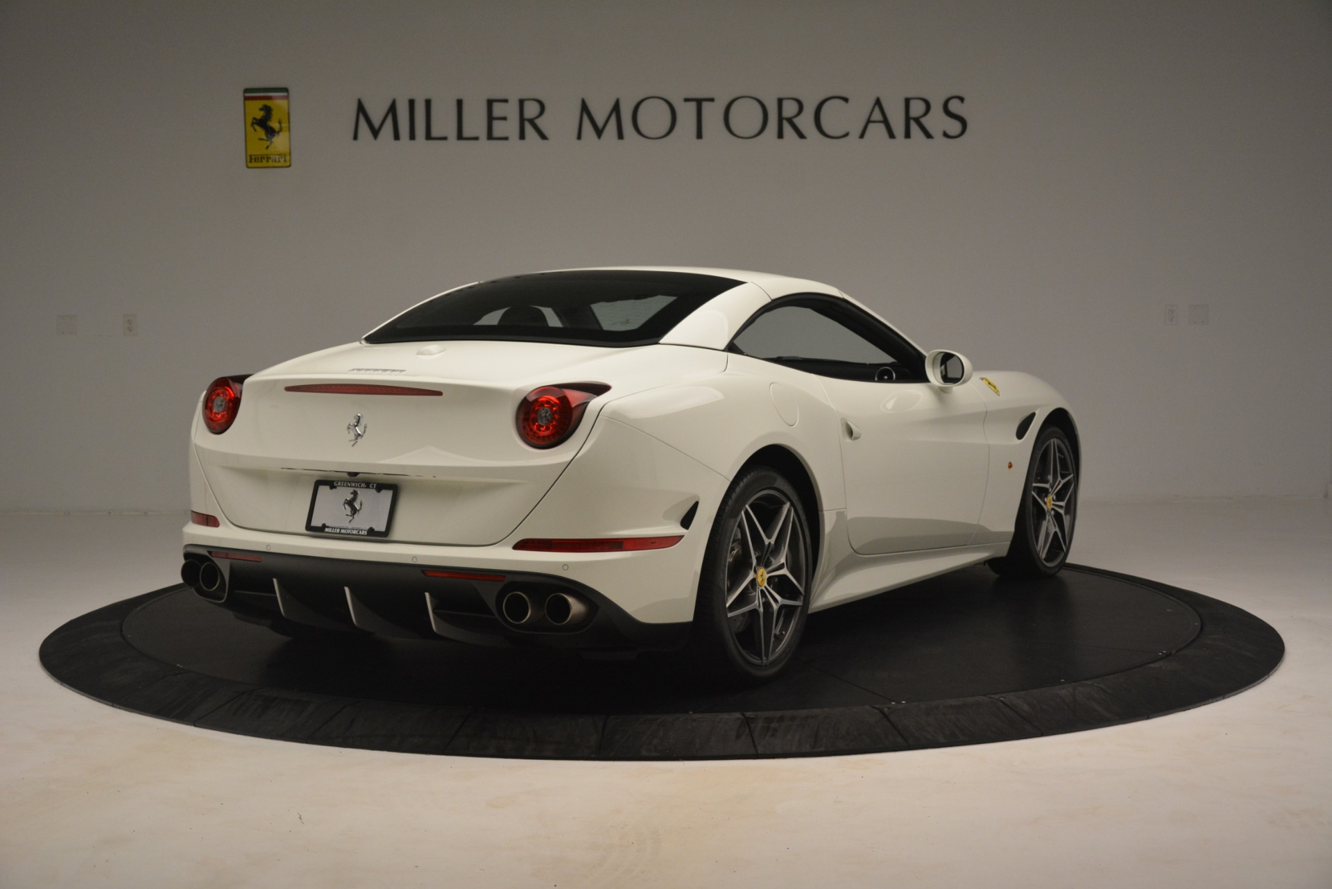 Used 2016 Ferrari California T  For Sale In Greenwich, CT. Alfa Romeo of Greenwich, 4581C 3256_p17