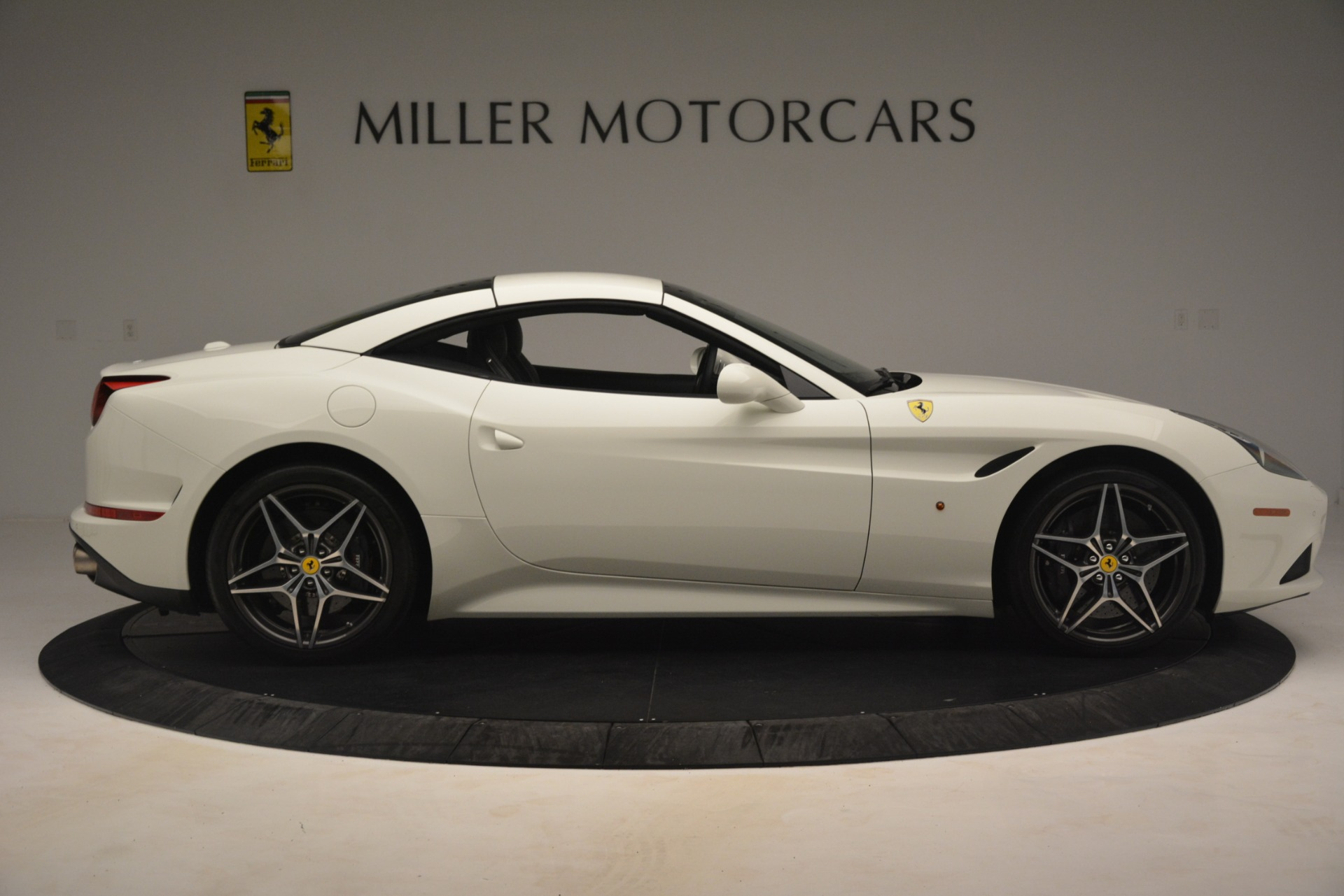 Used 2016 Ferrari California T  For Sale In Greenwich, CT. Alfa Romeo of Greenwich, 4581C 3256_p18