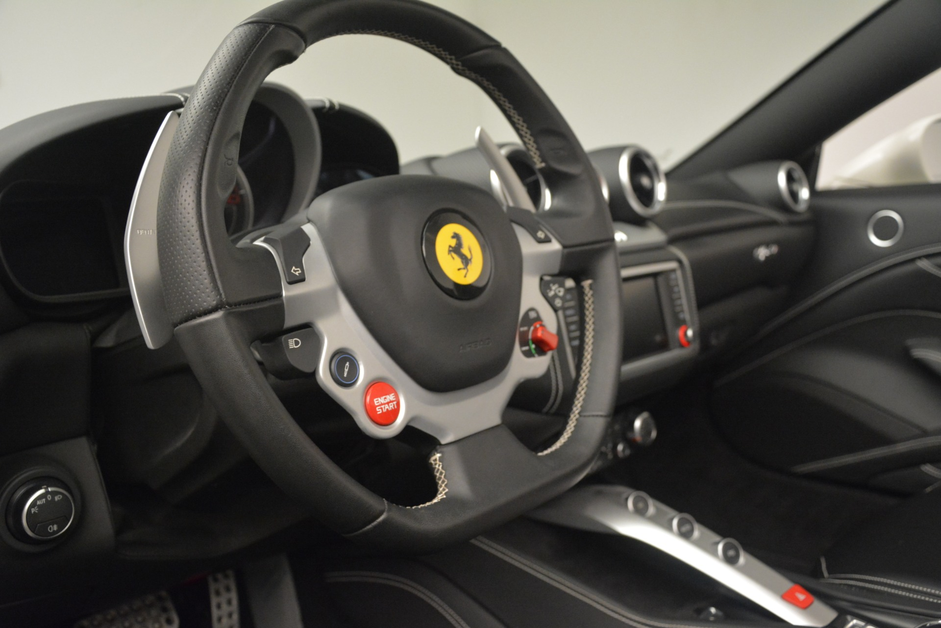 Used 2016 Ferrari California T  For Sale In Greenwich, CT. Alfa Romeo of Greenwich, 4581C 3256_p23