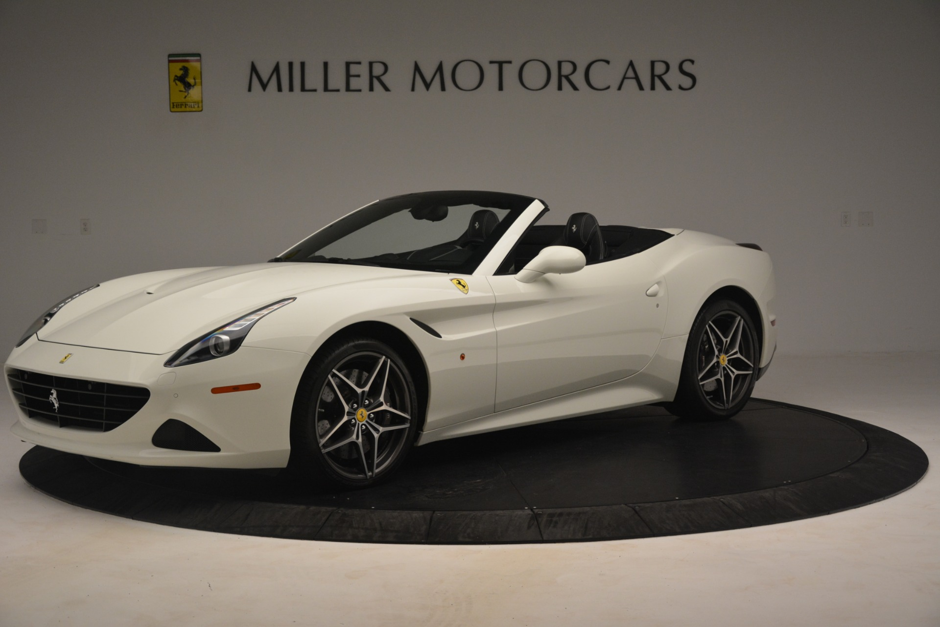 Used 2016 Ferrari California T  For Sale In Greenwich, CT. Alfa Romeo of Greenwich, 4581C 3256_p2