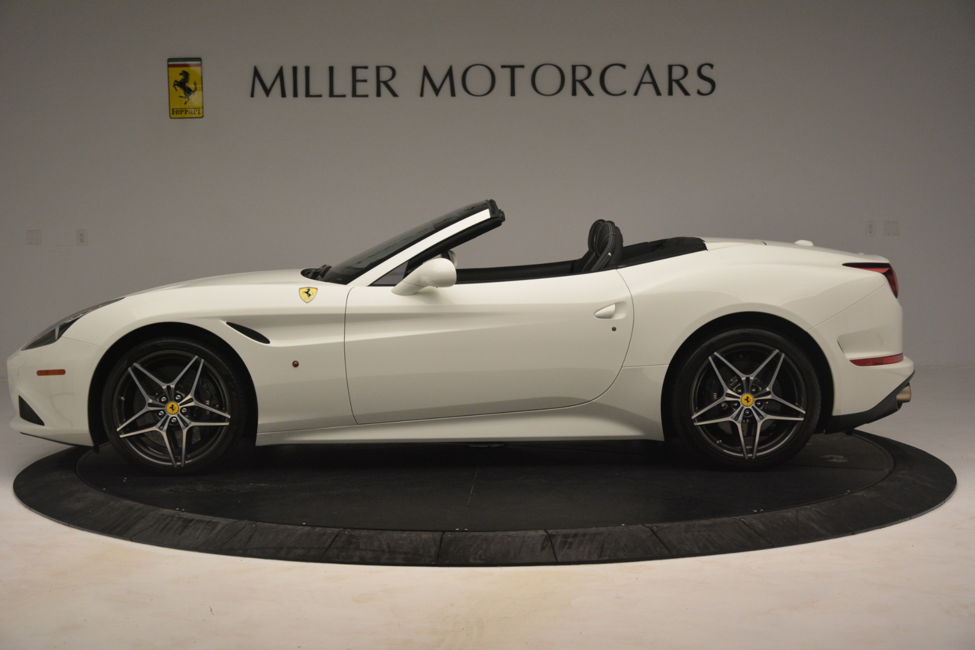 Used 2016 Ferrari California T  For Sale In Greenwich, CT. Alfa Romeo of Greenwich, 4581C 3256_p3