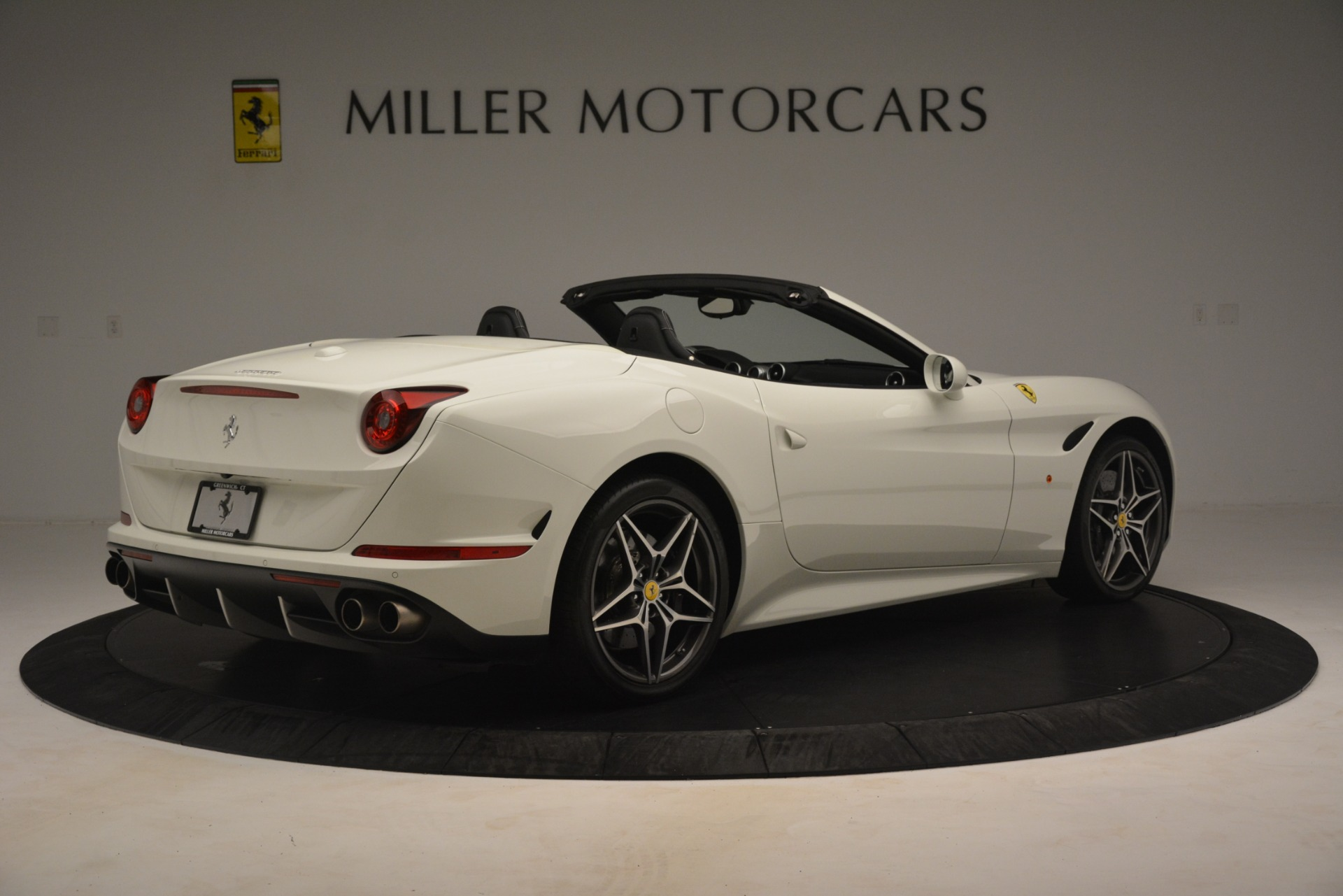 Used 2016 Ferrari California T  For Sale In Greenwich, CT. Alfa Romeo of Greenwich, 4581C 3256_p9