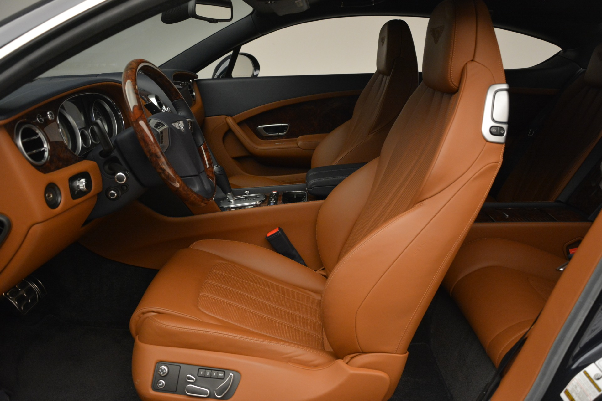 Used 2013 Bentley Continental GT V8 For Sale In Greenwich, CT. Alfa Romeo of Greenwich, 7560 3257_p19