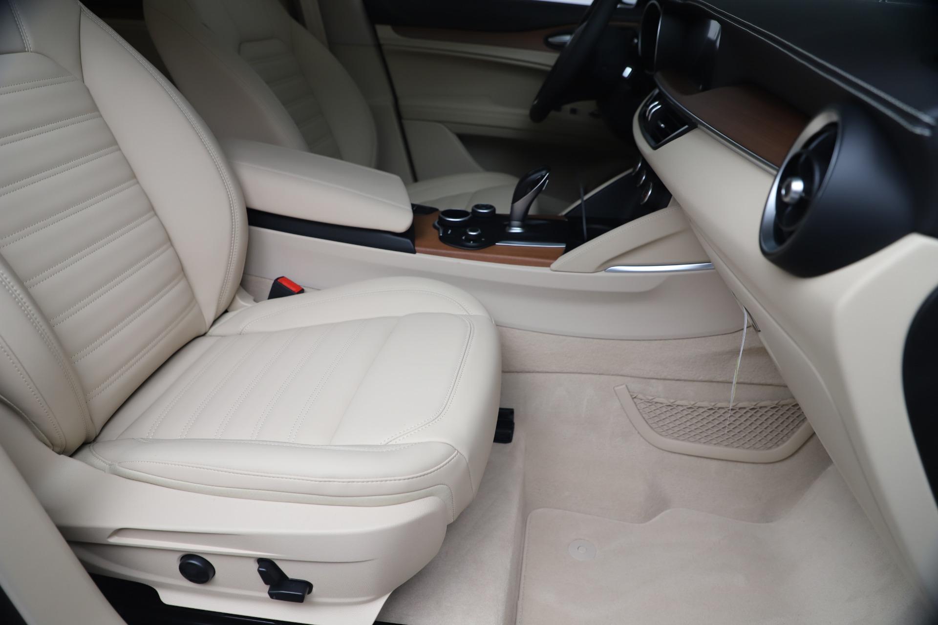 New 2019 Alfa Romeo Stelvio Ti Lusso Q4 For Sale In Greenwich, CT. Alfa Romeo of Greenwich, LW342 3259_p24