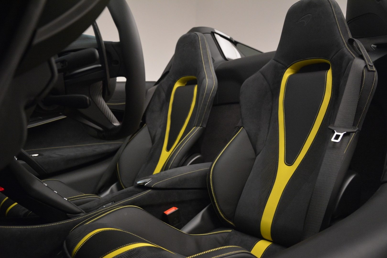 New 2020 McLaren 720S Spider Convertible For Sale In Greenwich, CT. Alfa Romeo of Greenwich, MC426 3266_p26