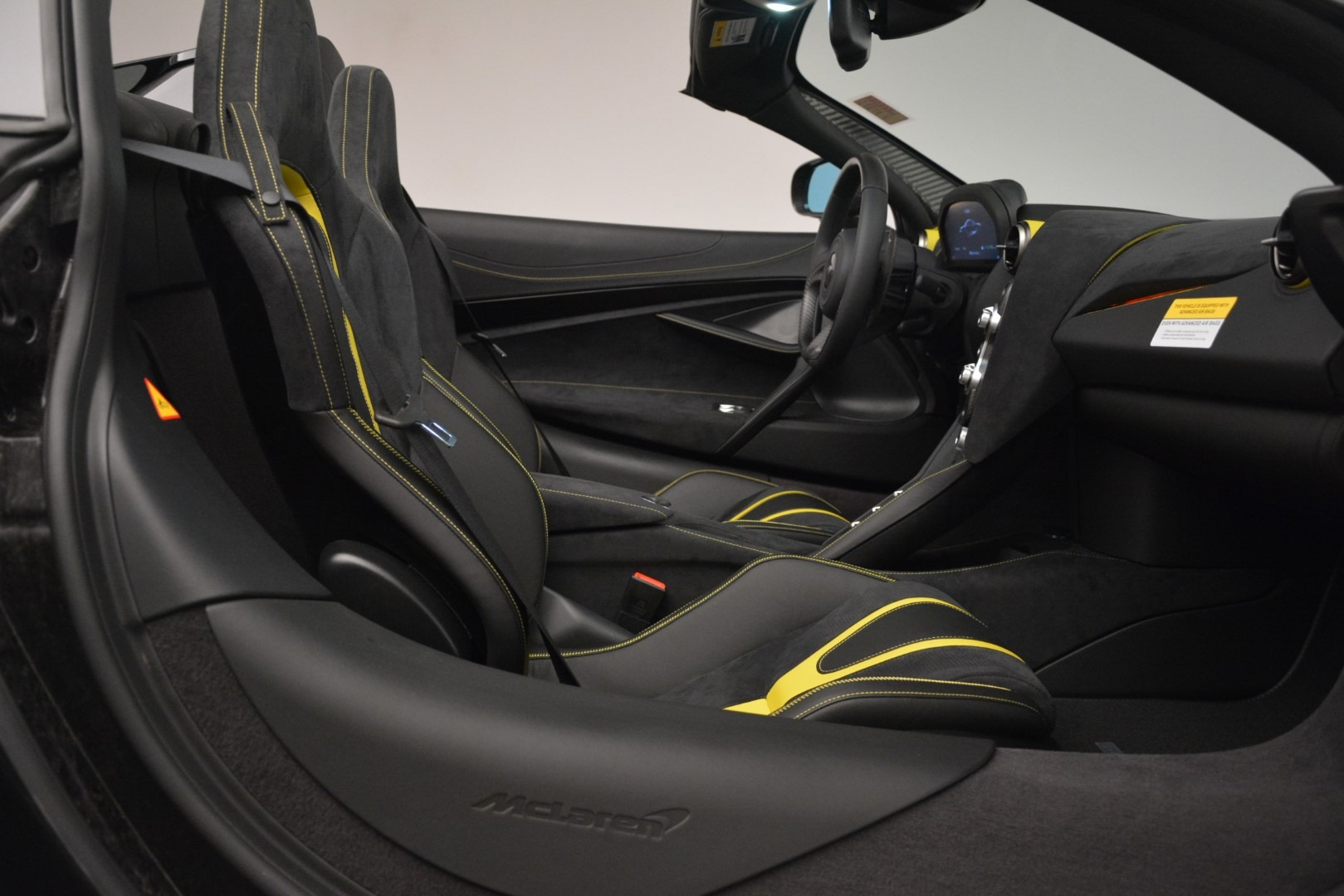 New 2020 McLaren 720S Spider Convertible For Sale In Greenwich, CT. Alfa Romeo of Greenwich, MC426 3266_p28