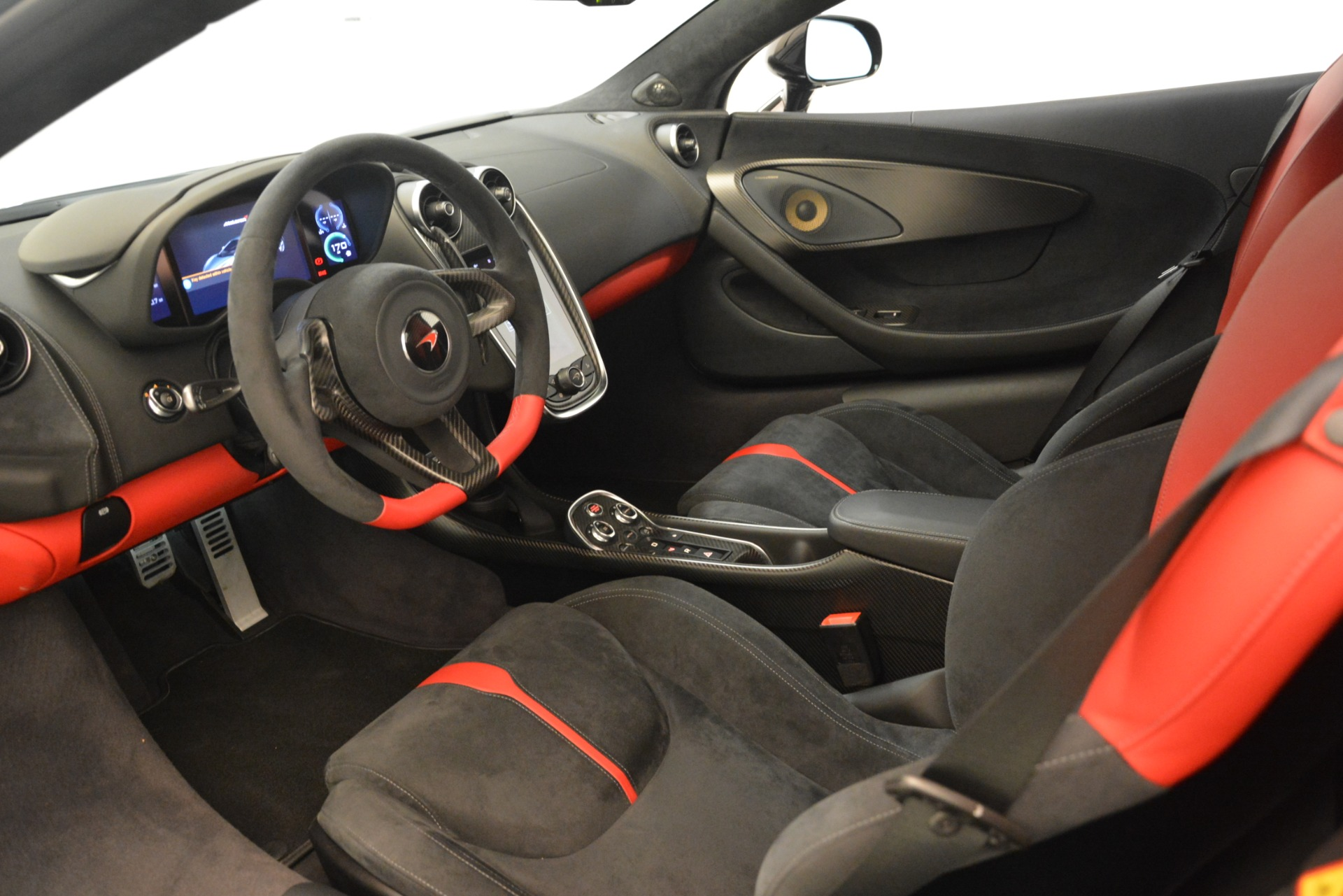 Used 2016 McLaren 570S Coupe For Sale In Greenwich, CT. Alfa Romeo of Greenwich, MC437A 3268_p14