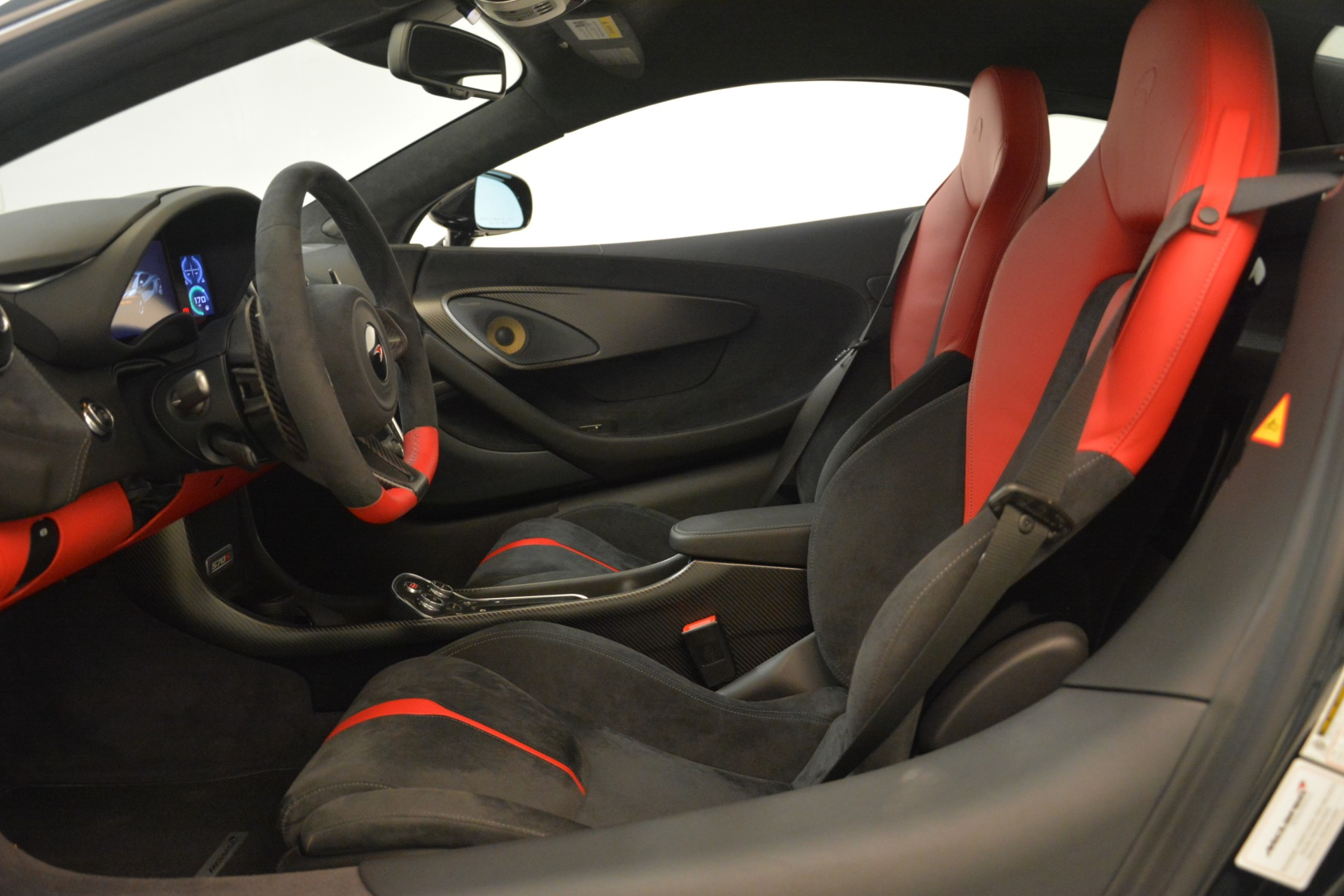 Used 2016 McLaren 570S Coupe For Sale In Greenwich, CT. Alfa Romeo of Greenwich, MC437A 3268_p15
