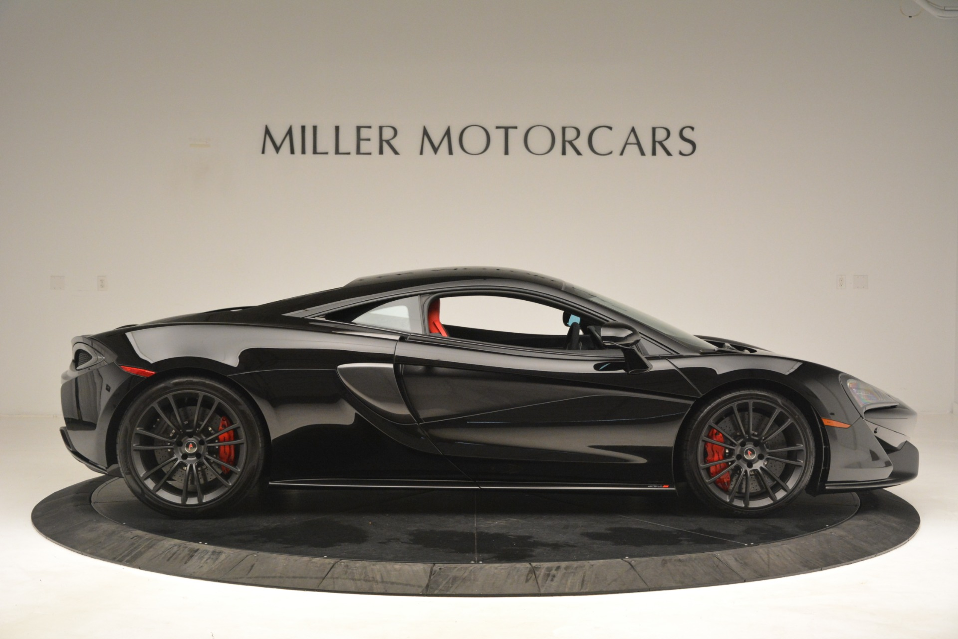 Used 2016 McLaren 570S Coupe For Sale In Greenwich, CT. Alfa Romeo of Greenwich, MC437A 3268_p8