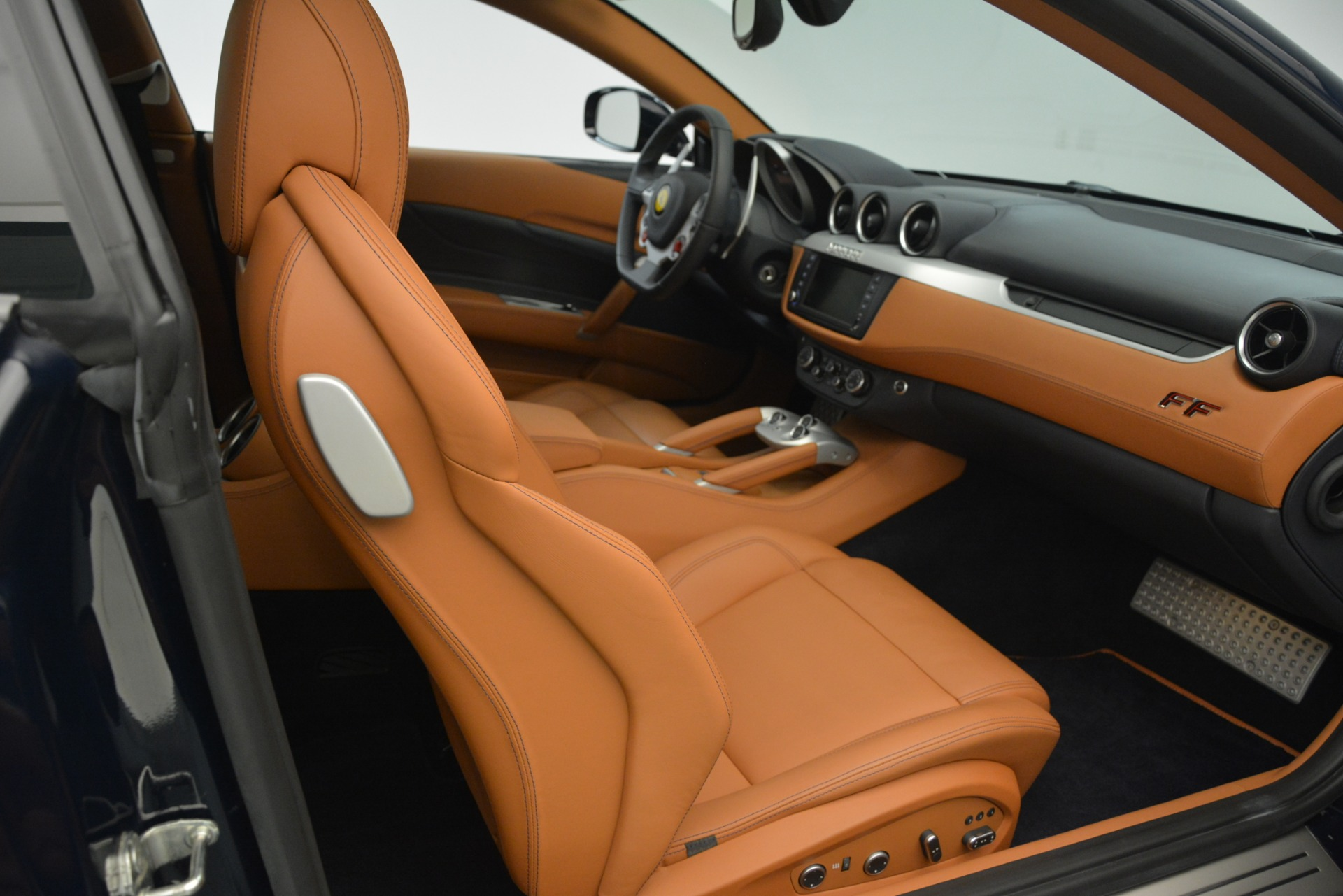 Used 2013 Ferrari FF  For Sale In Greenwich, CT. Alfa Romeo of Greenwich, 4579 3269_p16