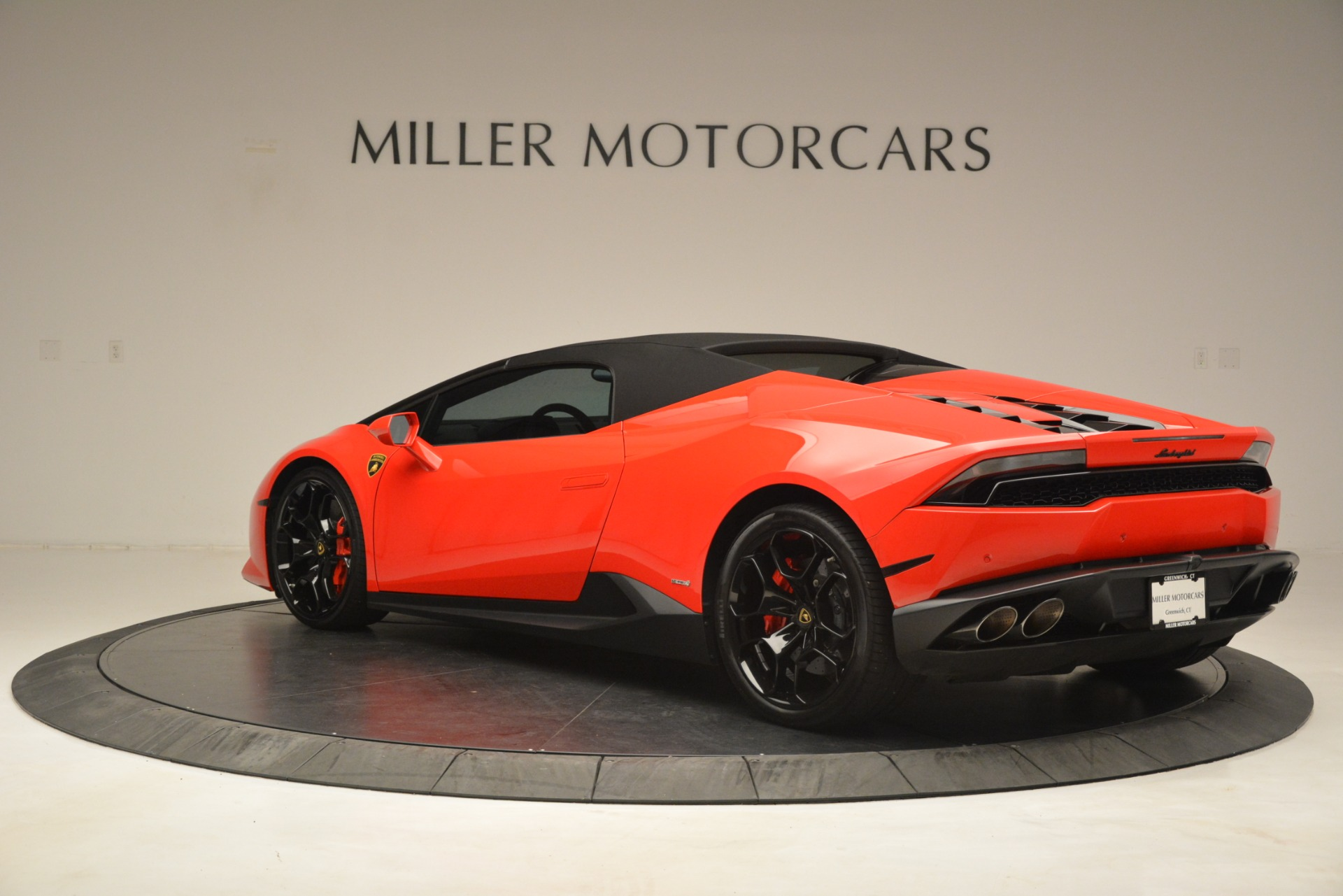 Used 2017 Lamborghini Huracan LP 610-4 Spyder For Sale In Greenwich, CT. Alfa Romeo of Greenwich, 7597 3270_p12