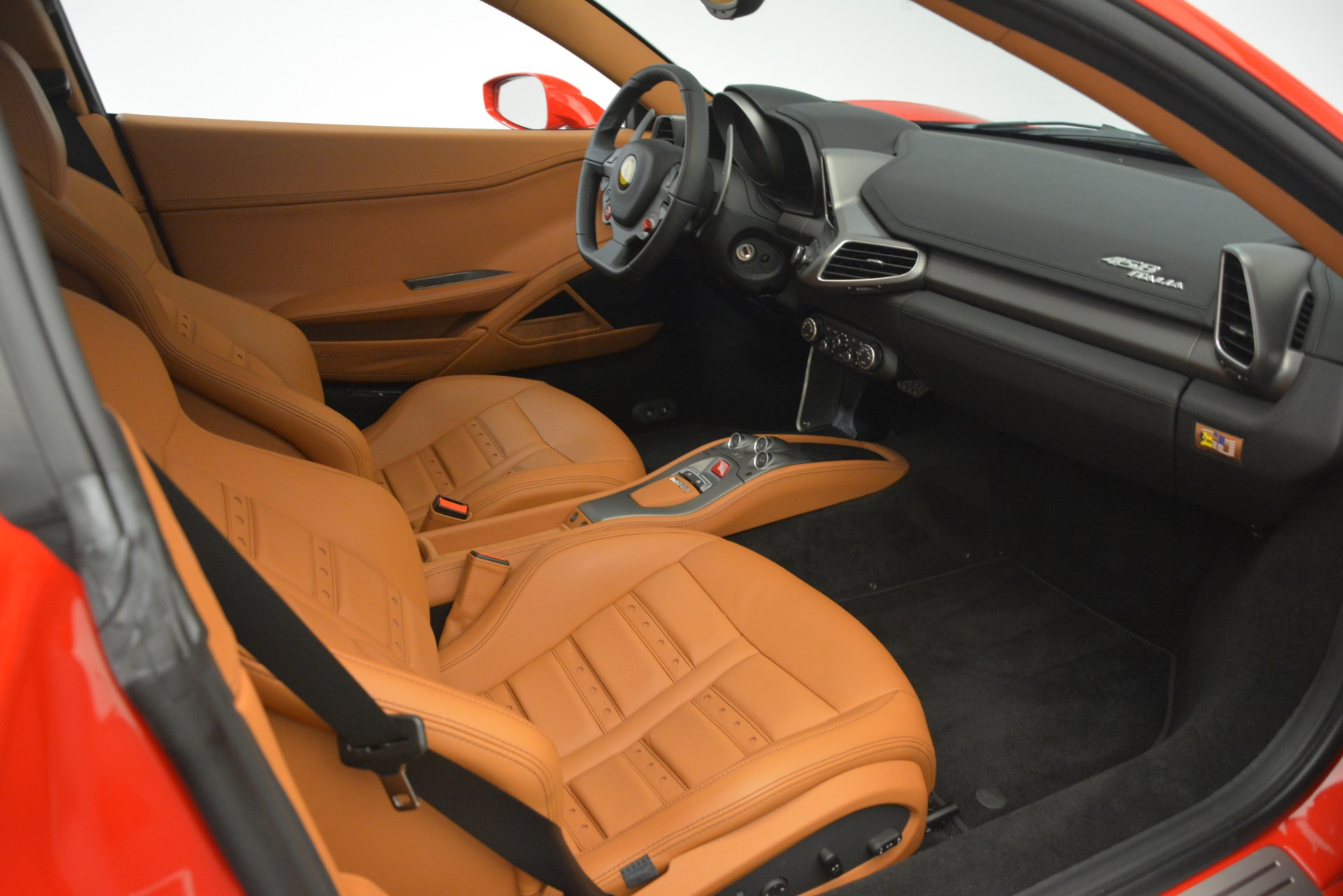 Used 2014 Ferrari 458 Italia  For Sale In Greenwich, CT. Alfa Romeo of Greenwich, 4582 3271_p17
