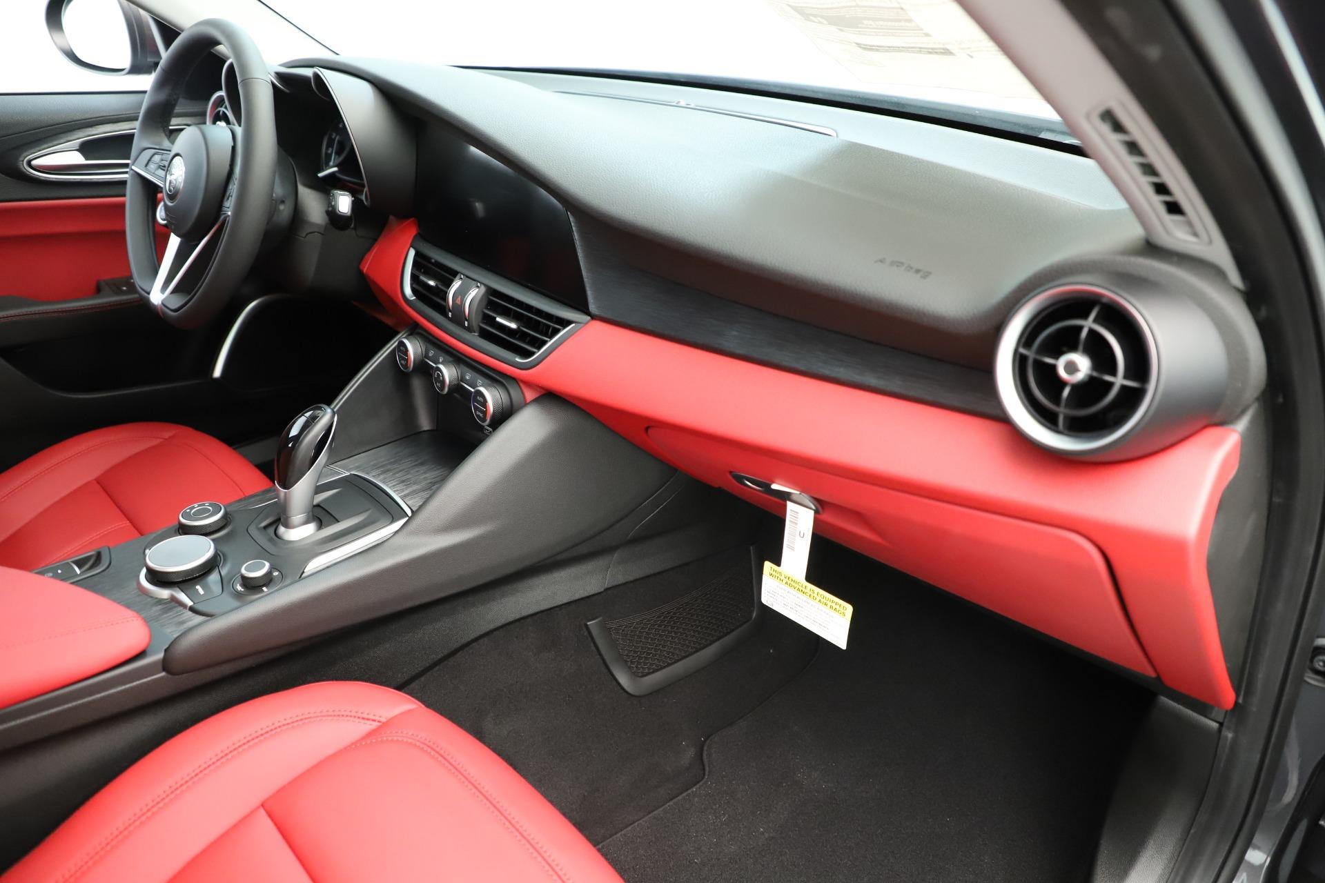 New 2019 Alfa Romeo Giulia Q4 For Sale In Greenwich, CT. Alfa Romeo of Greenwich, L639 3275_p23