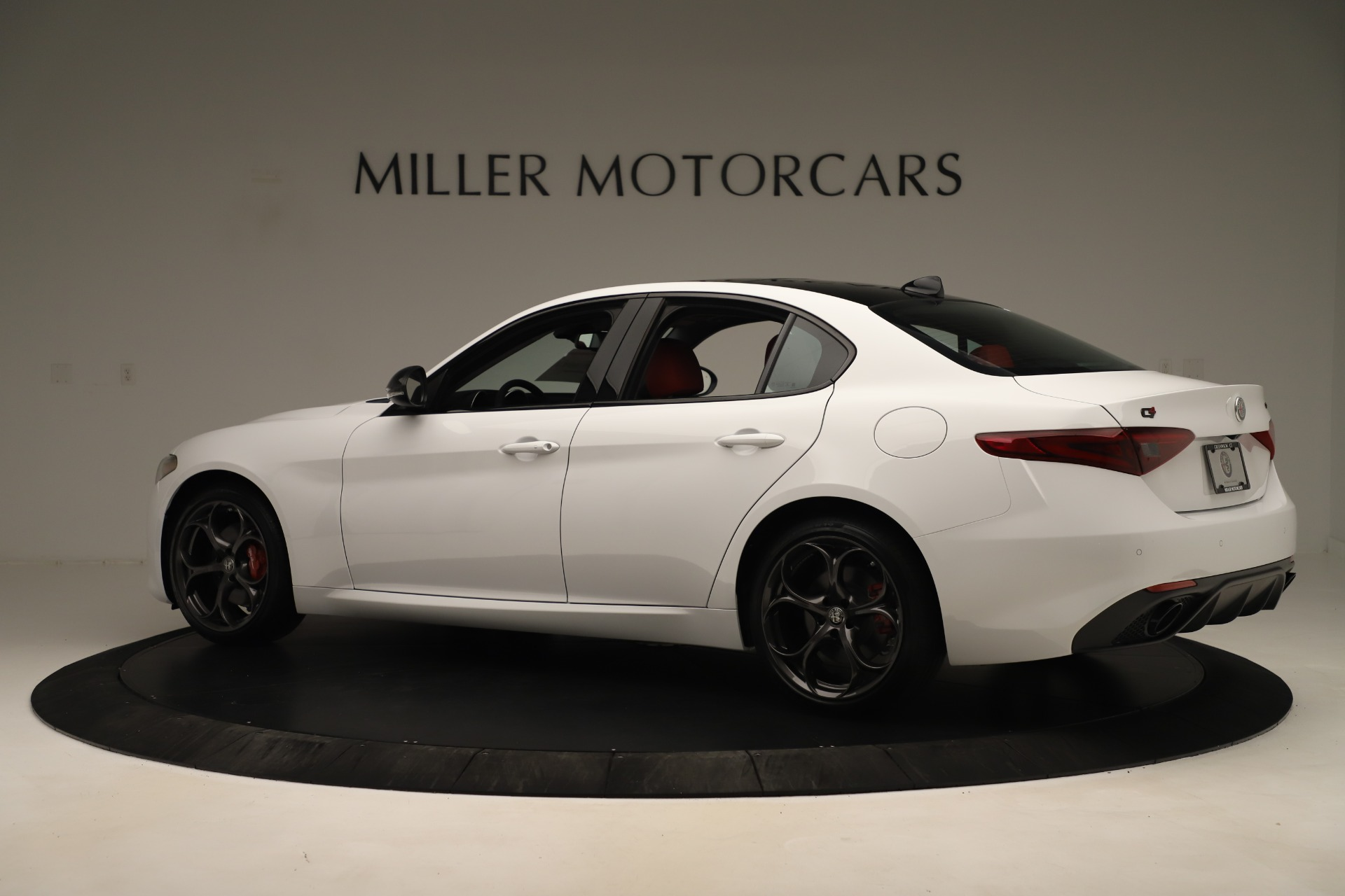 New 2019 Alfa Romeo Giulia Ti Sport Q4 For Sale In Greenwich, CT. Alfa Romeo of Greenwich, L646 3282_p4