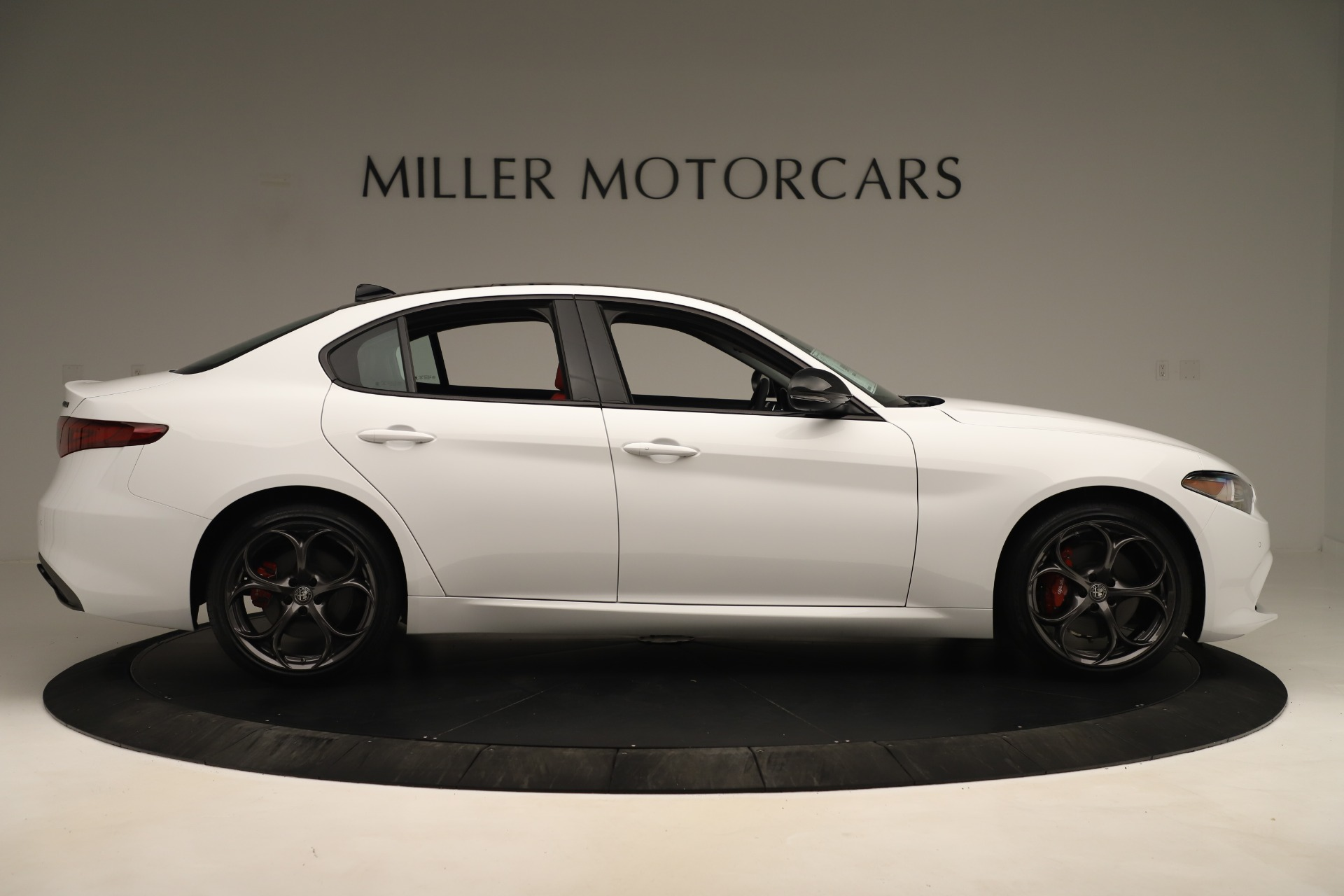 New 2019 Alfa Romeo Giulia Ti Sport Q4 For Sale In Greenwich, CT. Alfa Romeo of Greenwich, L646 3282_p9