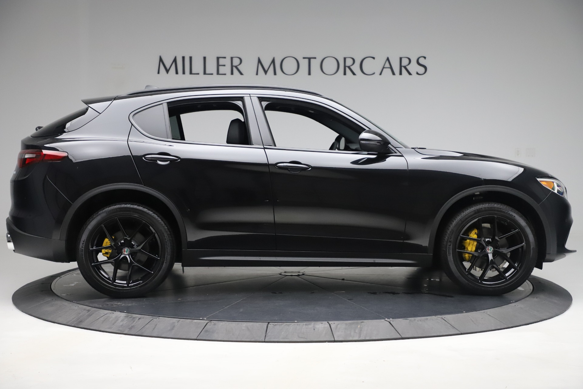 New 2019 Alfa Romeo Stelvio Ti Sport Q4 For Sale In Greenwich, CT. Alfa Romeo of Greenwich, L647 3283_p9