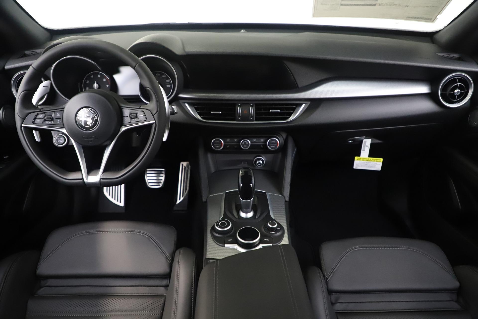New 2019 Alfa Romeo Stelvio Ti Sport Q4 For Sale In Greenwich, CT. Alfa Romeo of Greenwich, L648 3284_p14