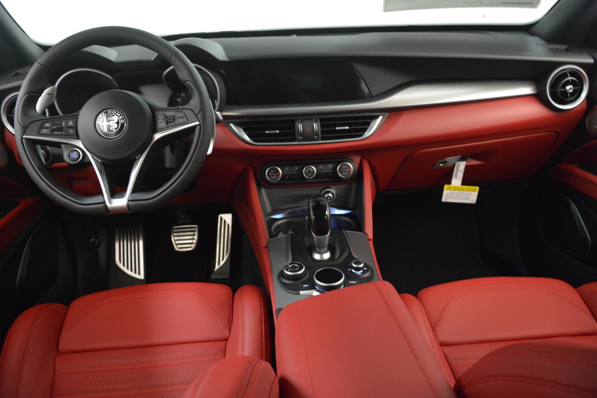 New 2019 Alfa Romeo Stelvio Ti Sport Q4 For Sale In Greenwich, CT. Alfa Romeo of Greenwich, L649 3285_p16