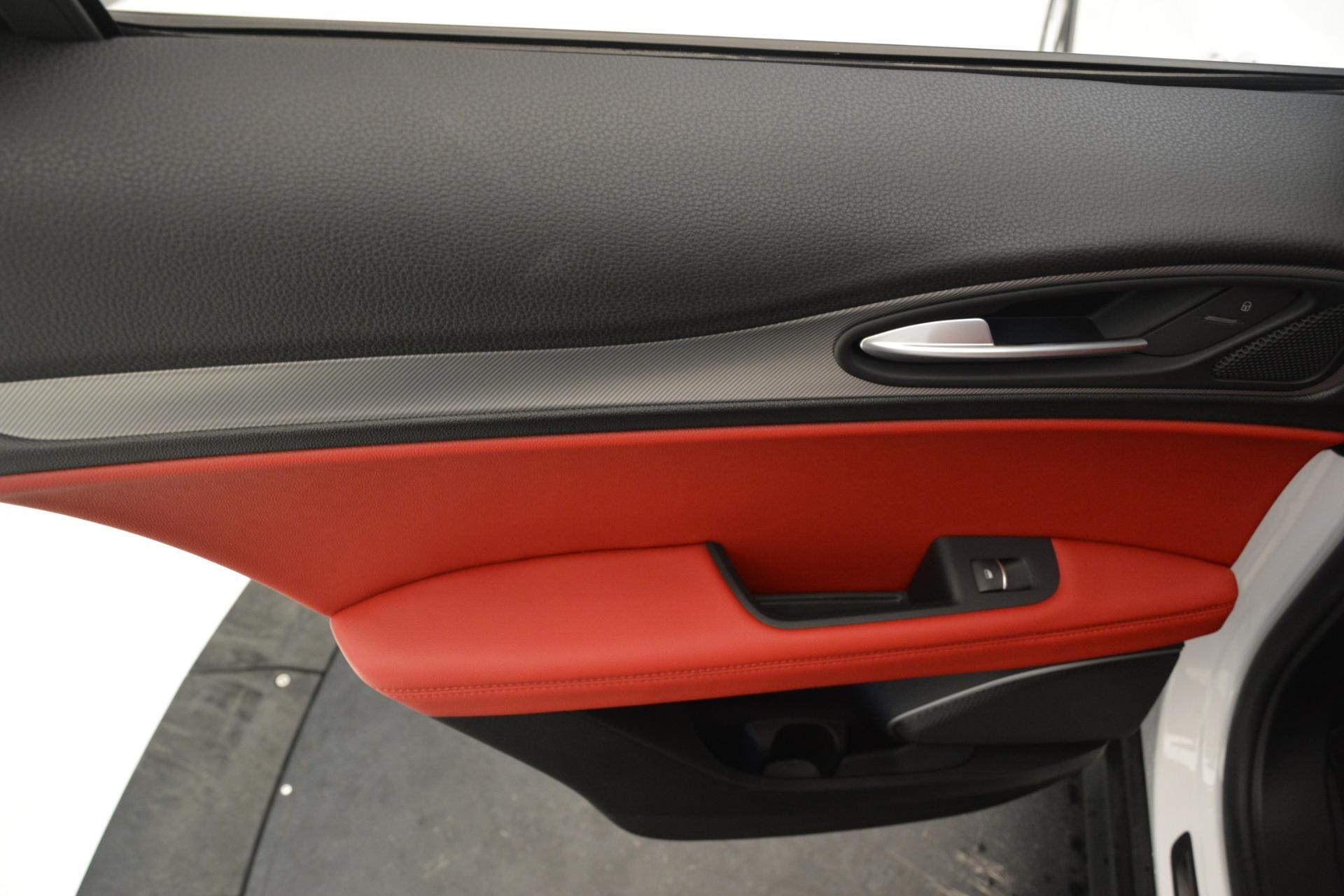 New 2019 Alfa Romeo Stelvio Ti Sport Q4 For Sale In Greenwich, CT. Alfa Romeo of Greenwich, L649 3285_p21