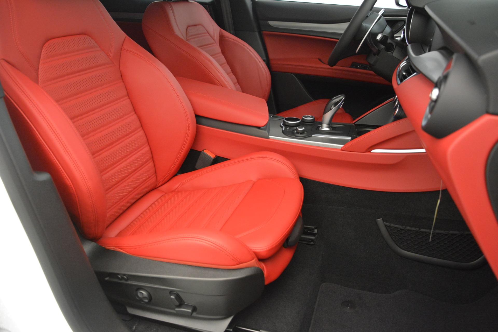 New 2019 Alfa Romeo Stelvio Ti Sport Q4 For Sale In Greenwich, CT. Alfa Romeo of Greenwich, L649 3285_p24