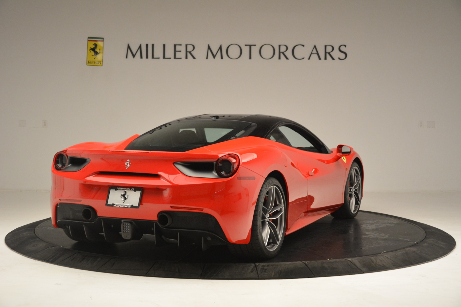 Used 2018 Ferrari 488 GTB  For Sale In Greenwich, CT. Alfa Romeo of Greenwich, F1995A 3288_p7