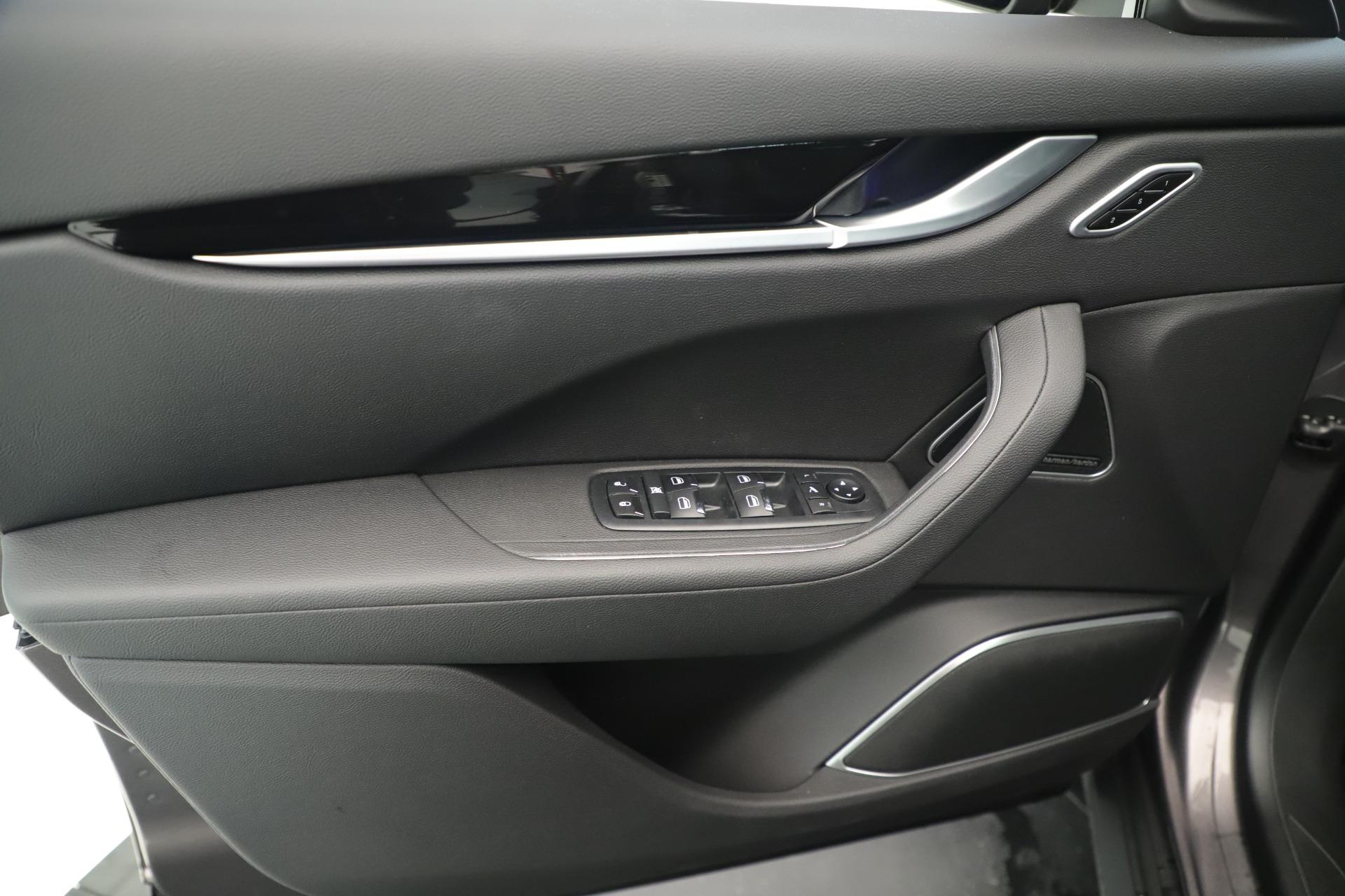 New 2019 Maserati Levante Q4 Nerissimo For Sale In Greenwich, CT. Alfa Romeo of Greenwich, M2320 3290_p17