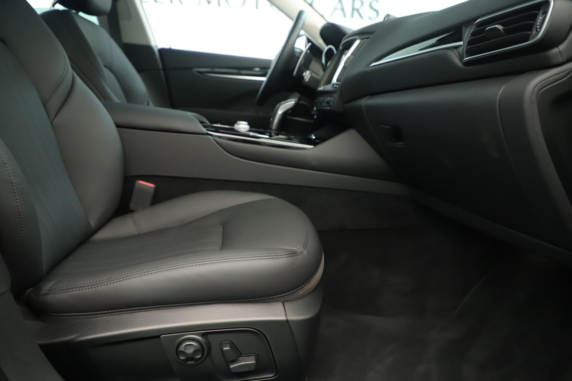 New 2019 Maserati Levante Q4 Nerissimo For Sale In Greenwich, CT. Alfa Romeo of Greenwich, M2320 3290_p23