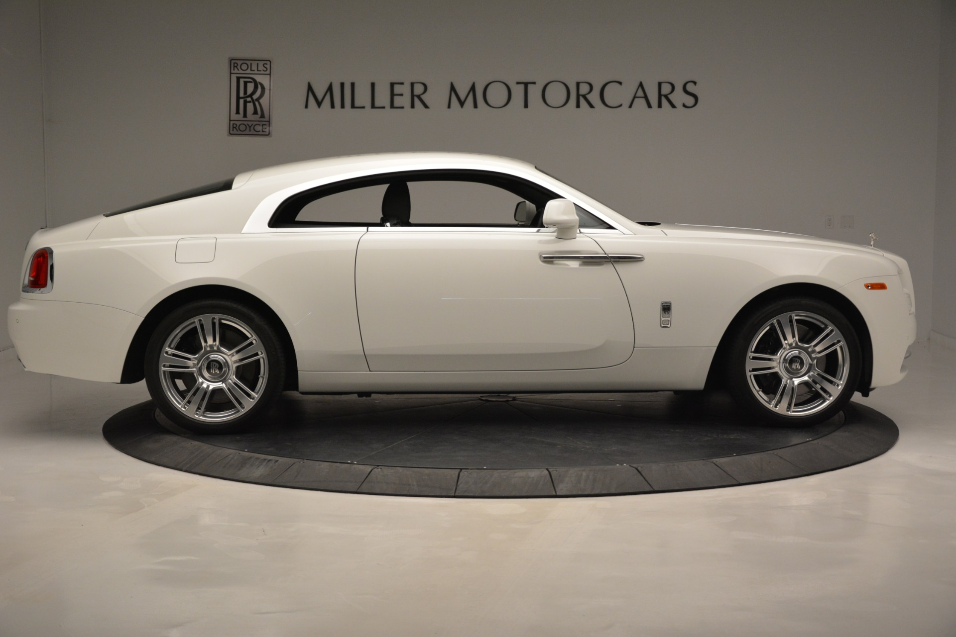 Used 2016 Rolls-Royce Wraith  For Sale In Greenwich, CT. Alfa Romeo of Greenwich, 7264A 3294_p10