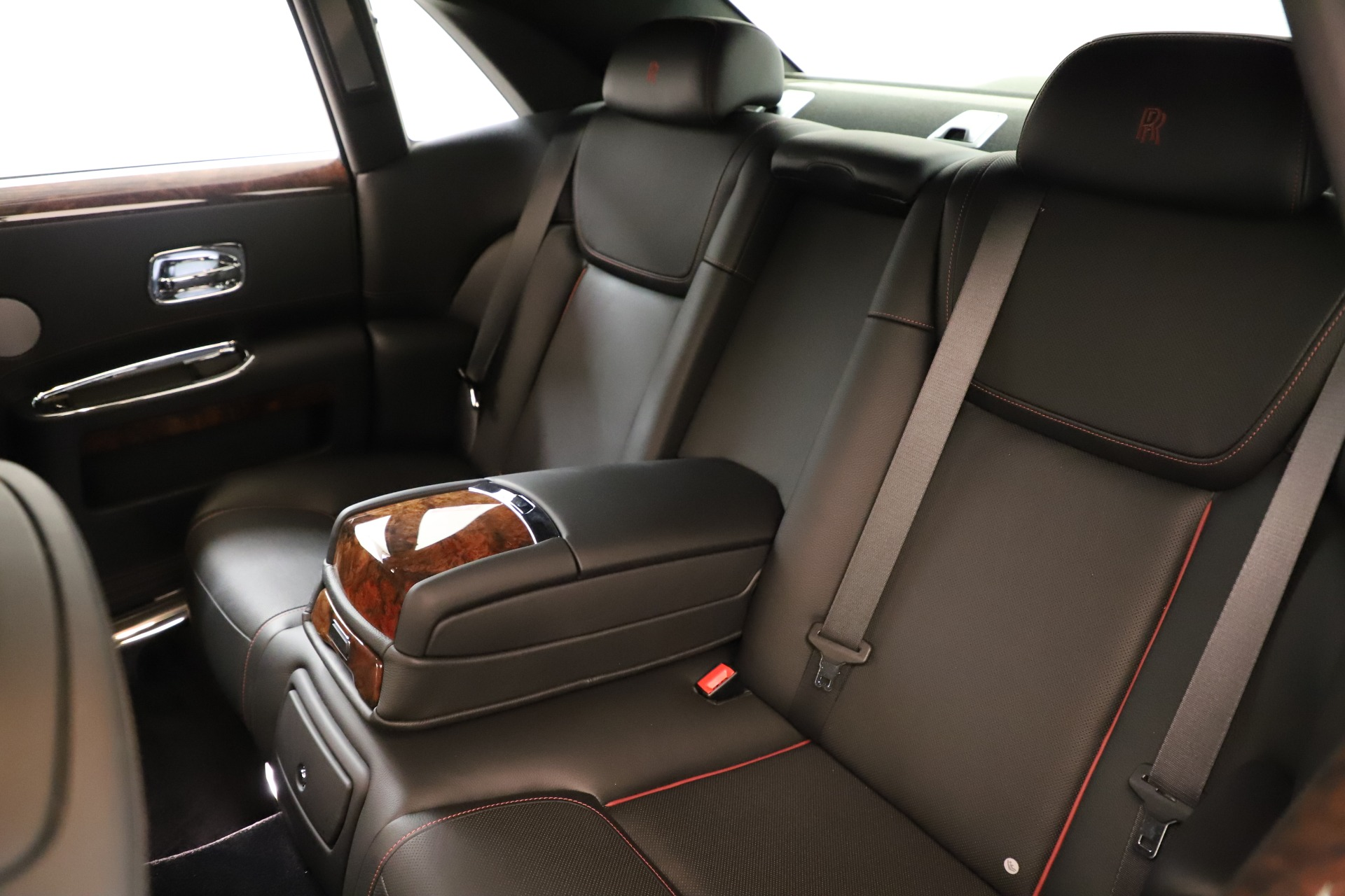 Used 2016 Rolls-Royce Ghost  For Sale In Greenwich, CT. Alfa Romeo of Greenwich, 7600 3298_p19