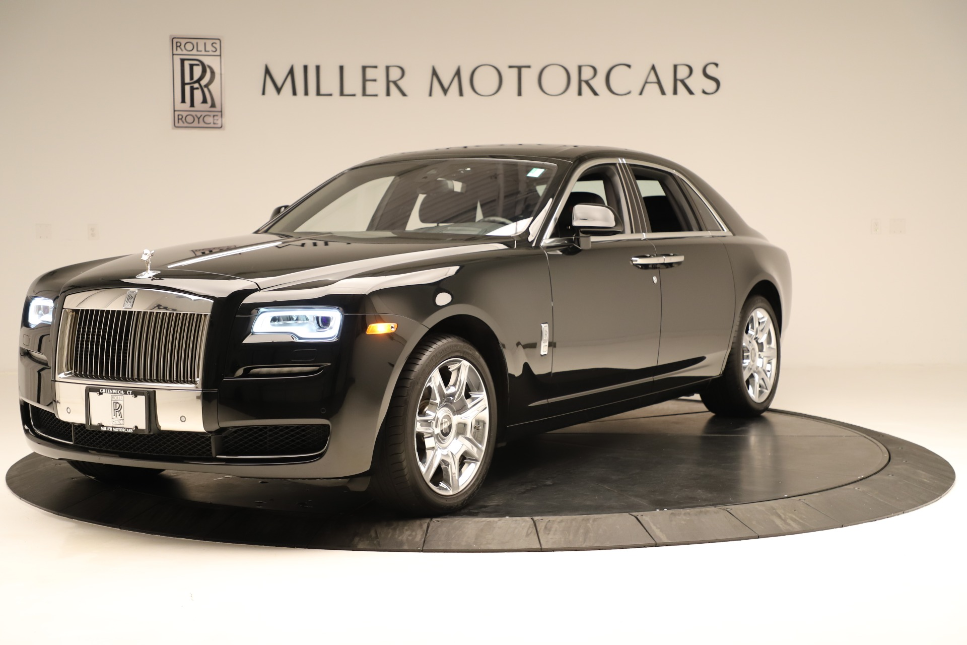 Used 2016 Rolls-Royce Ghost  For Sale In Greenwich, CT. Alfa Romeo of Greenwich, 7600 3298_p2