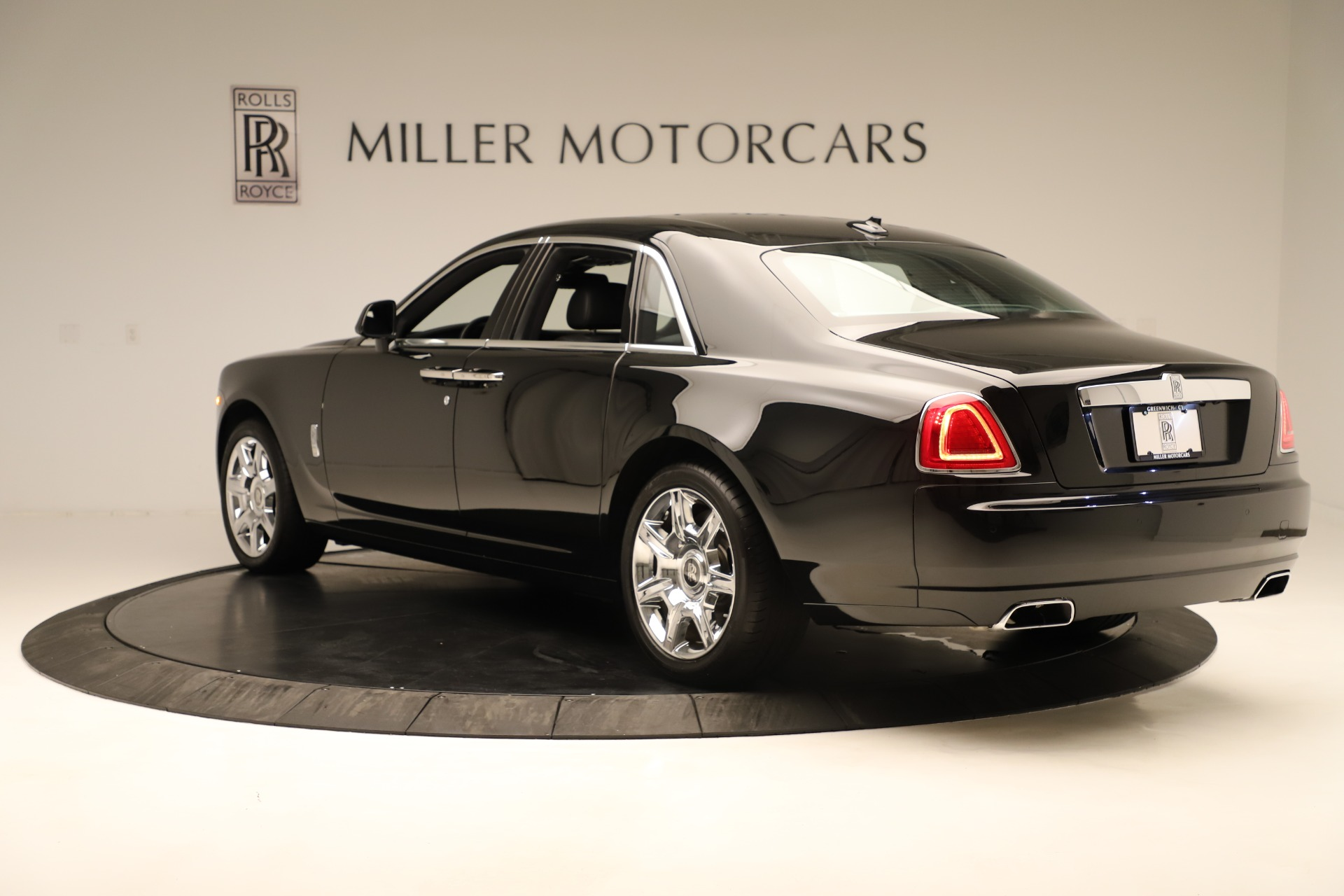 Used 2016 Rolls-Royce Ghost  For Sale In Greenwich, CT. Alfa Romeo of Greenwich, 7600 3298_p5