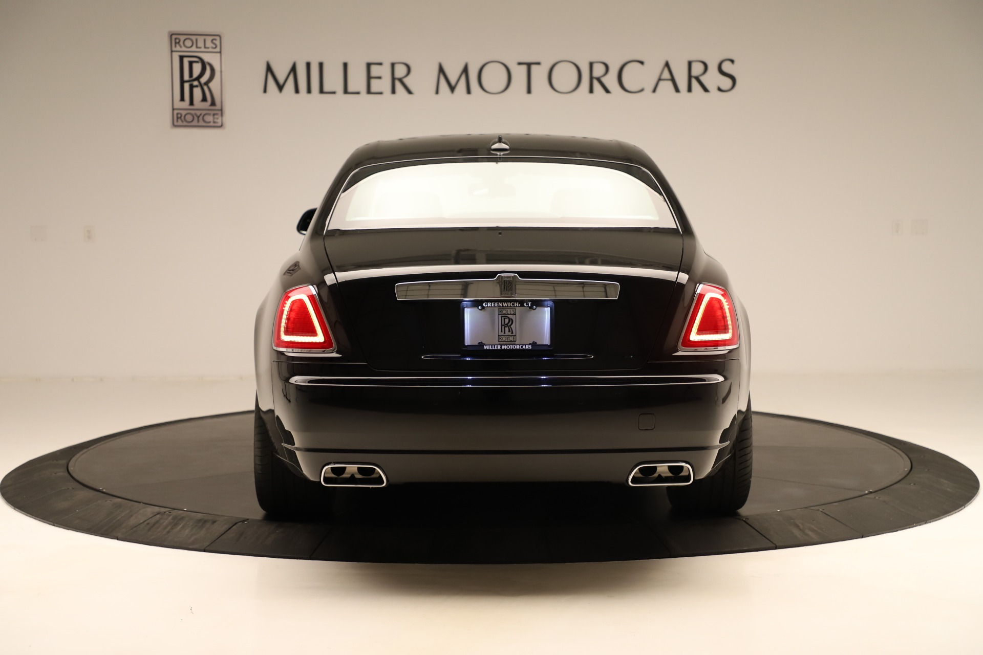 Used 2016 Rolls-Royce Ghost  For Sale In Greenwich, CT. Alfa Romeo of Greenwich, 7600 3298_p6