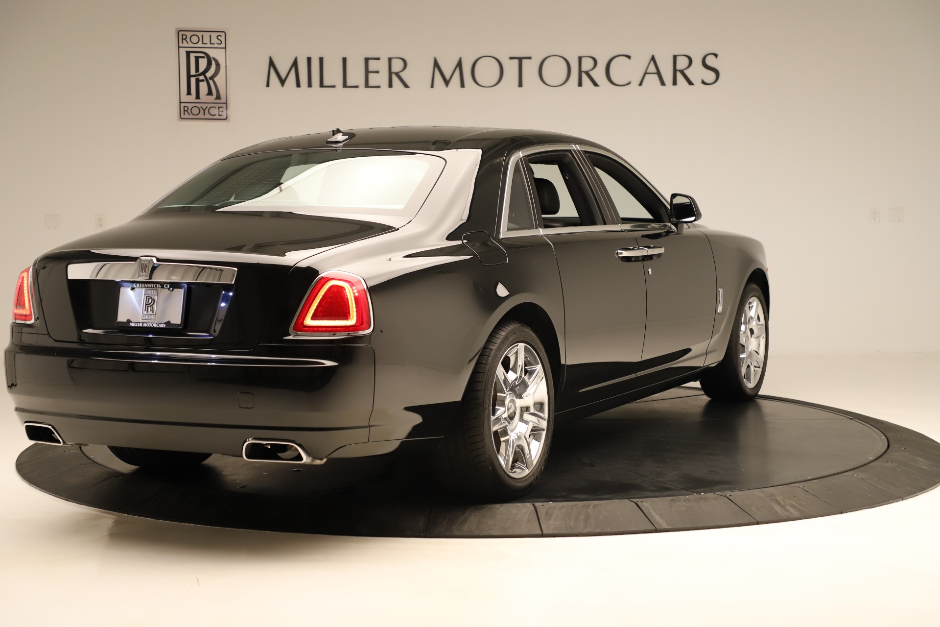 Used 2016 Rolls-Royce Ghost  For Sale In Greenwich, CT. Alfa Romeo of Greenwich, 7600 3298_p8