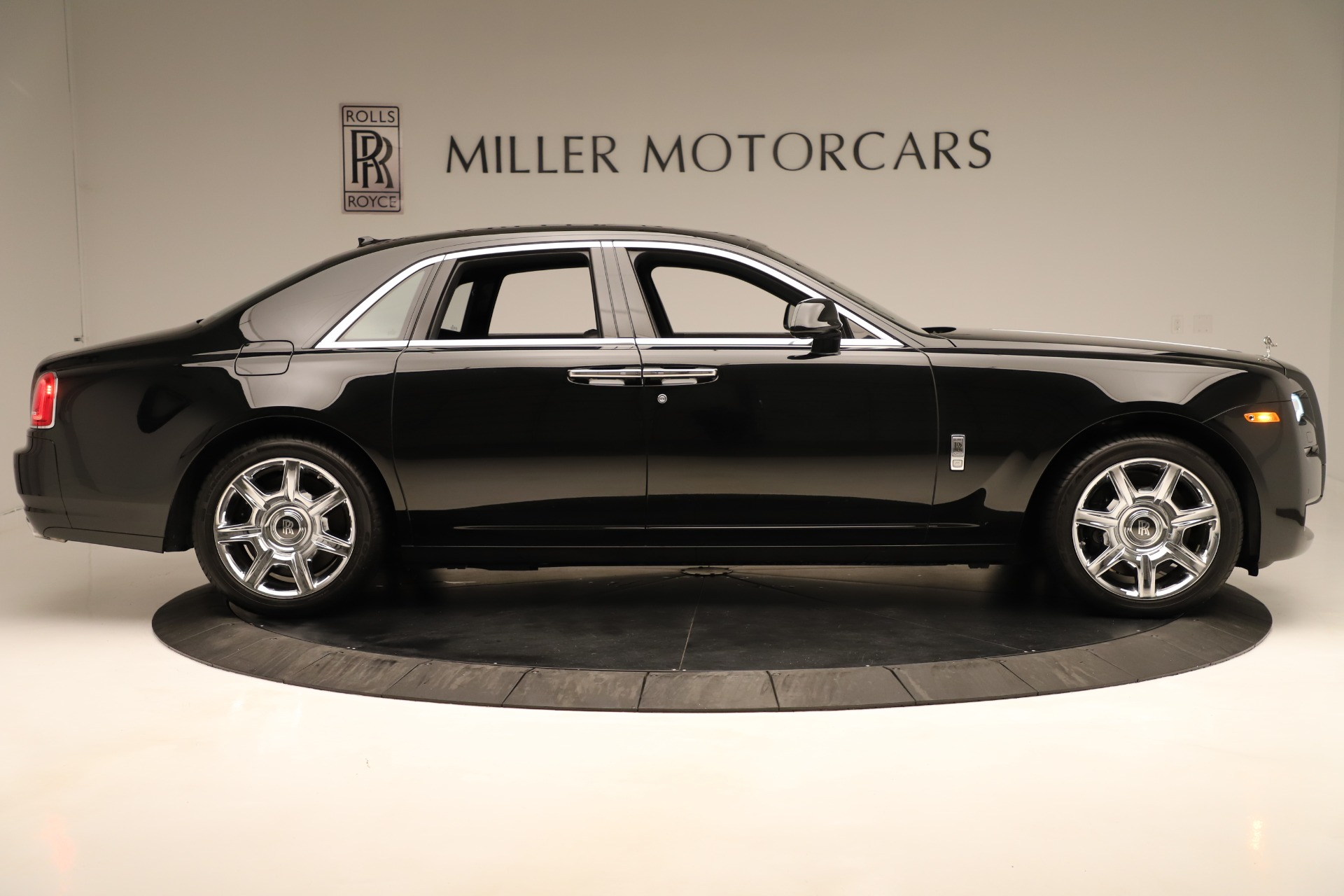 Used 2016 Rolls-Royce Ghost  For Sale In Greenwich, CT. Alfa Romeo of Greenwich, 7600 3298_p9