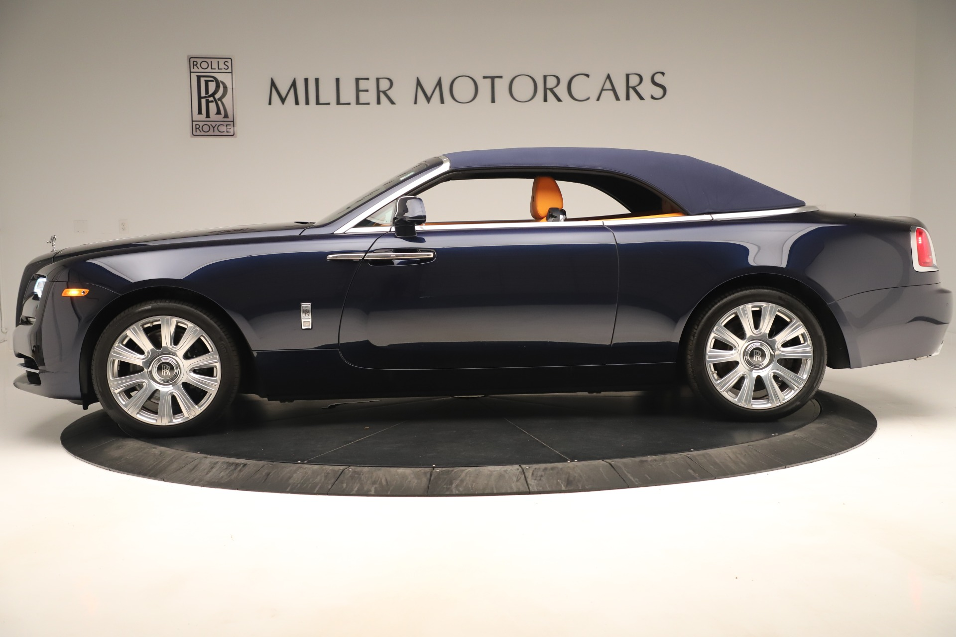Used 2016 Rolls-Royce Dawn  For Sale In Greenwich, CT. Alfa Romeo of Greenwich, 7601 3299_p10