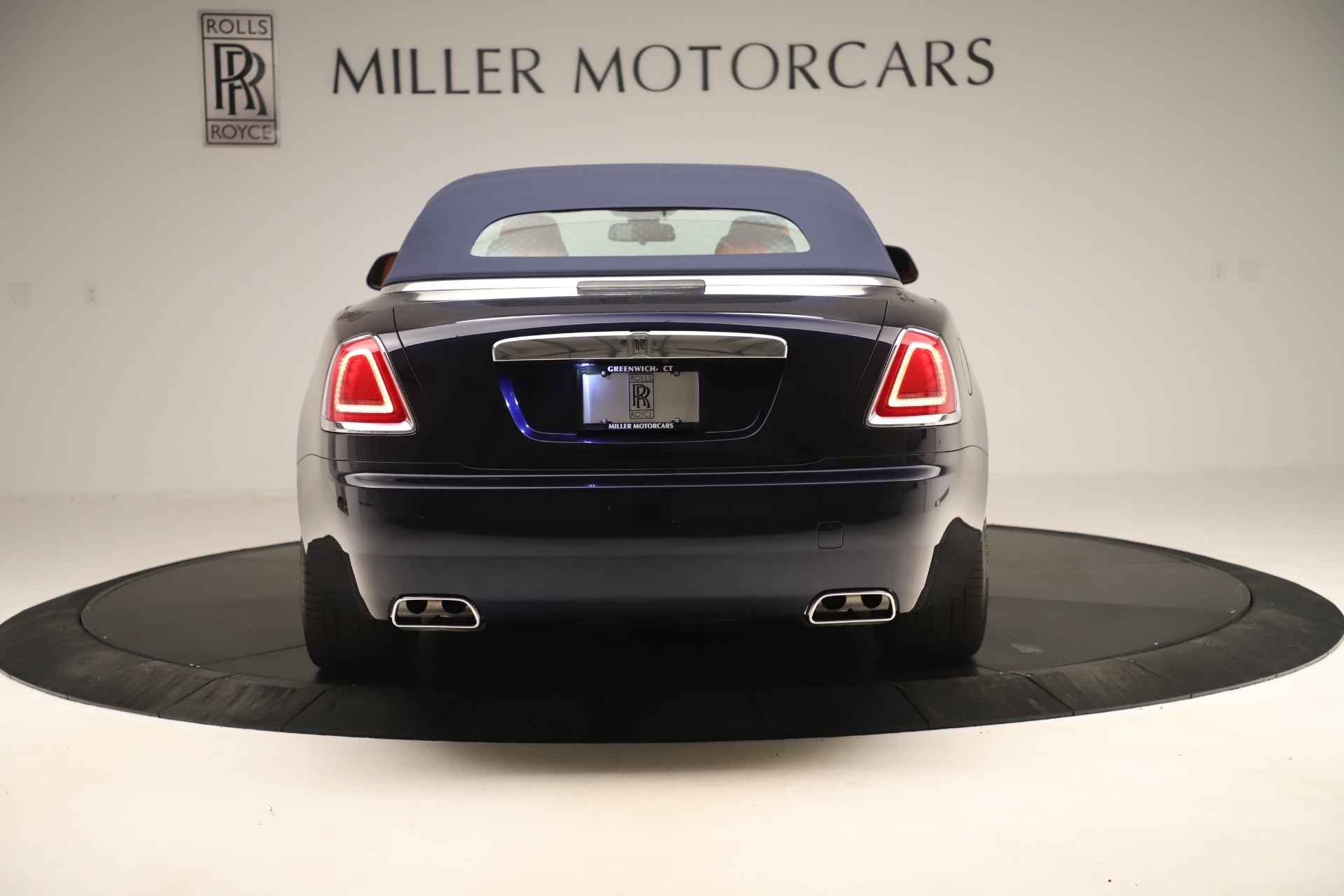 Used 2016 Rolls-Royce Dawn  For Sale In Greenwich, CT. Alfa Romeo of Greenwich, 7601 3299_p12