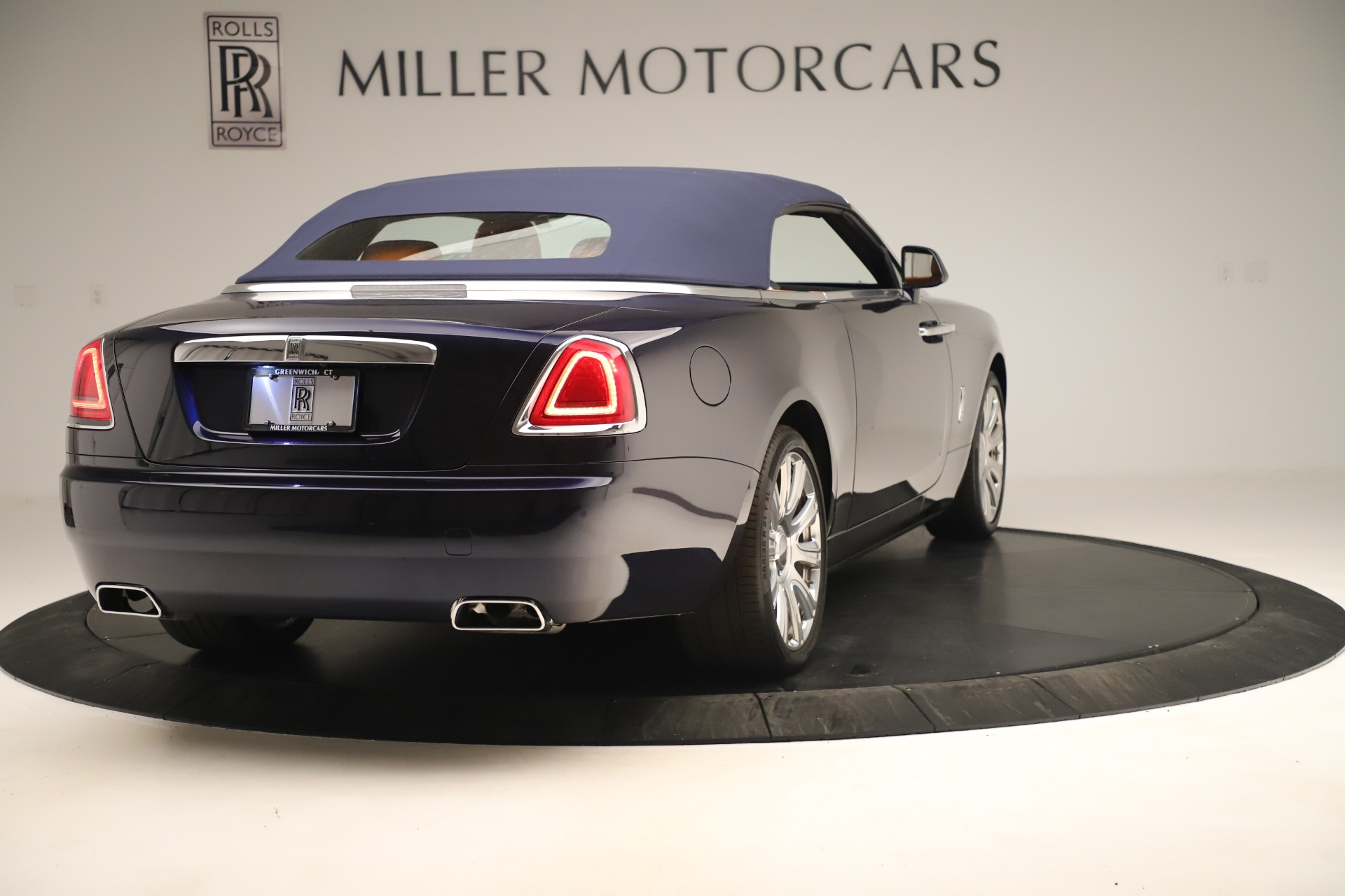 Used 2016 Rolls-Royce Dawn  For Sale In Greenwich, CT. Alfa Romeo of Greenwich, 7601 3299_p13