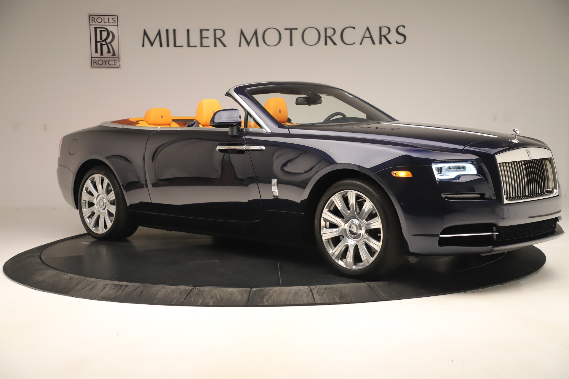 Used 2016 Rolls-Royce Dawn  For Sale In Greenwich, CT. Alfa Romeo of Greenwich, 7601 3299_p8