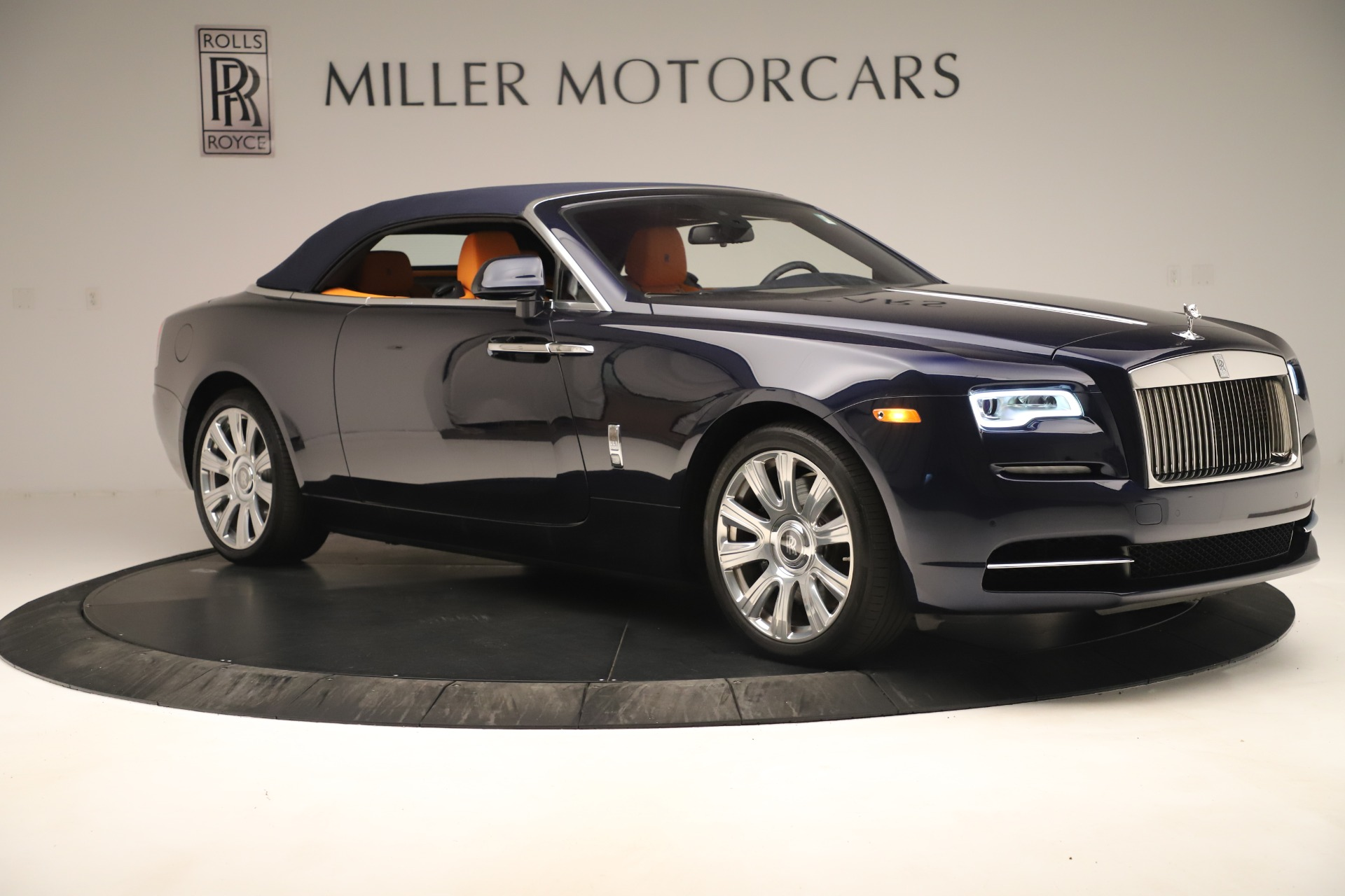 Used 2016 Rolls-Royce Dawn  For Sale In Greenwich, CT. Alfa Romeo of Greenwich, 7601 3299_p9