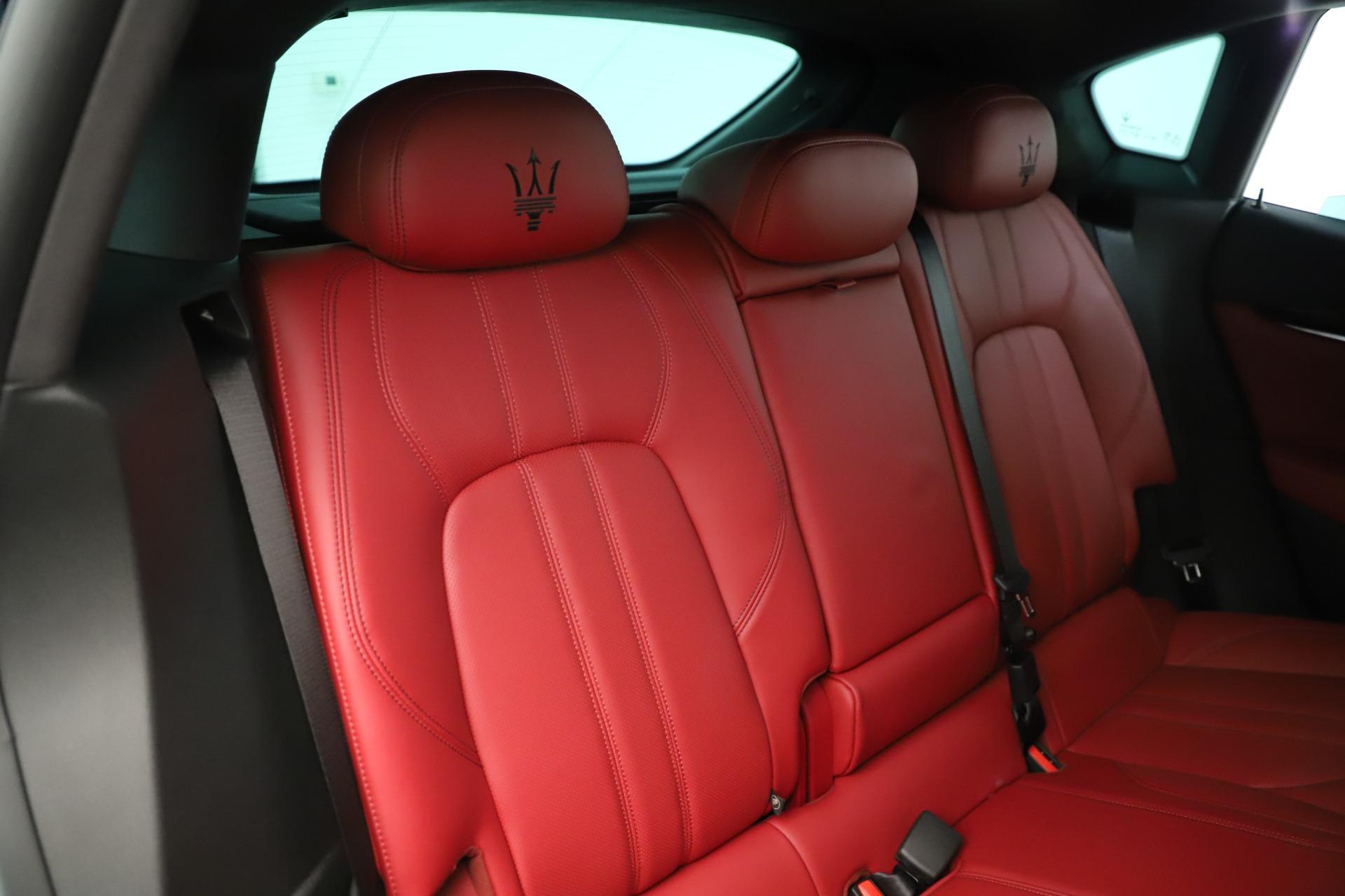 New 2019 Maserati Levante Q4 GranSport Nerissimo For Sale In Greenwich, CT. Alfa Romeo of Greenwich, M2323 3300_p26