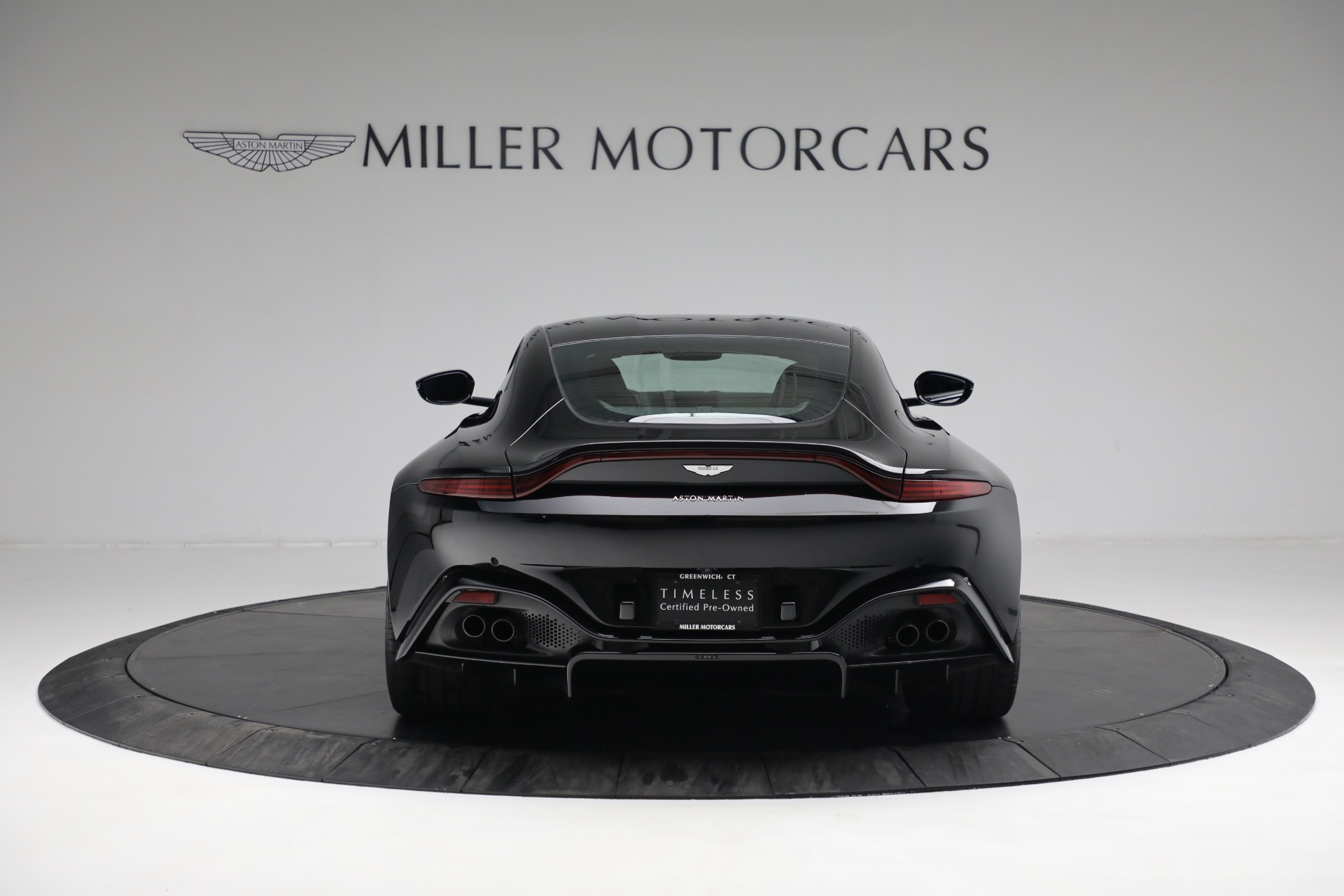 New 2019 Aston Martin Vantage Coupe For Sale In Greenwich, CT. Alfa Romeo of Greenwich, A1363 3307_p5
